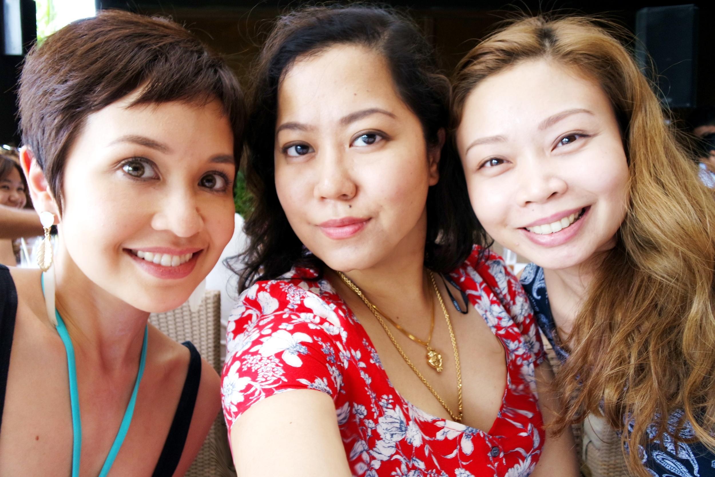 Blogger friends Julia of Blessmybag.com and Kira of Kira-ramirez.com. <3