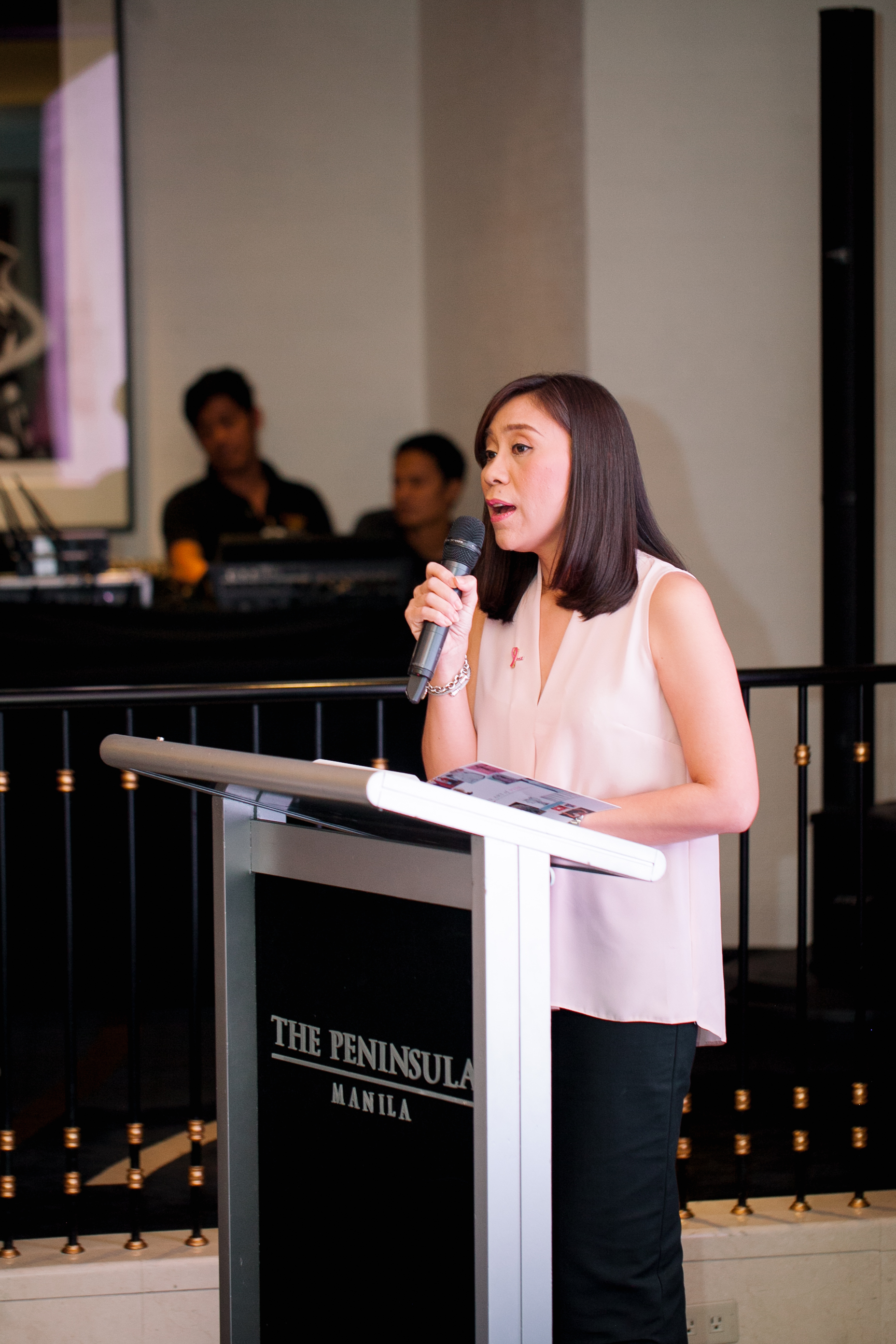 Mel Lerma, Estee Lauder Philinppines Country Manager welcomes everybody and underlines the importance of the campaign
