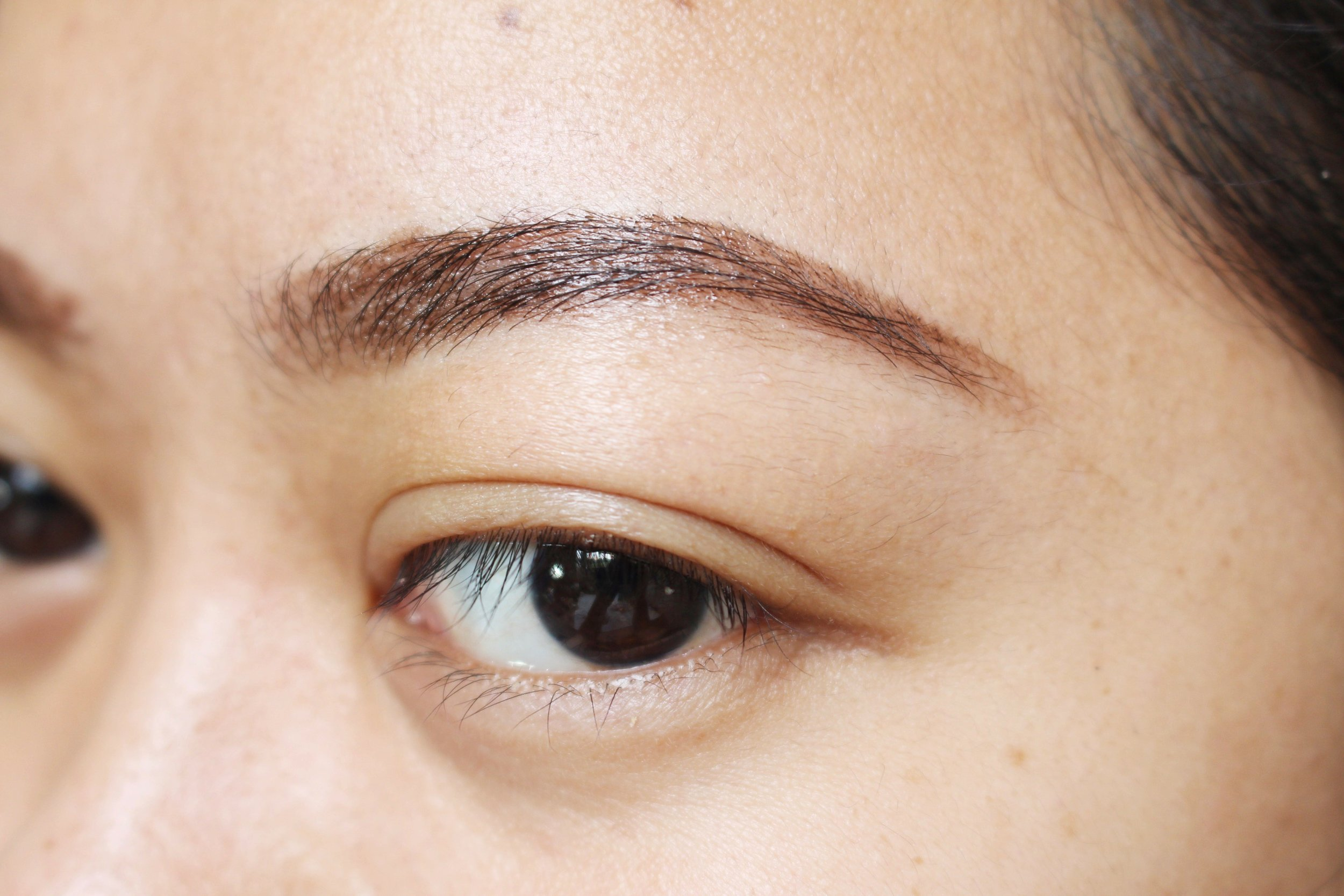 This is what our DIY browcara looks like! Love the ease of application and how it made the kilay so organized. We used an angled brow brush to apply it but you can also use a mini spoolie if you have a spare. You can store this in an empty mascara tube if you have one (usually sourced from beauty supply or packaging stores)