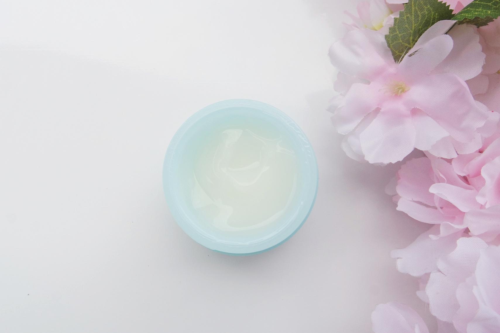 Aqua Cream.jpg