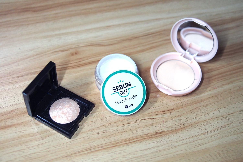 Laura Mercier Matte Radiance Baked Powder in Highlight-01 (P1,750), W-Lab Sebum Out Finish Powder (P560 via Althea Korea), Skinfood Peach Sake Pore Pact (~P380)
