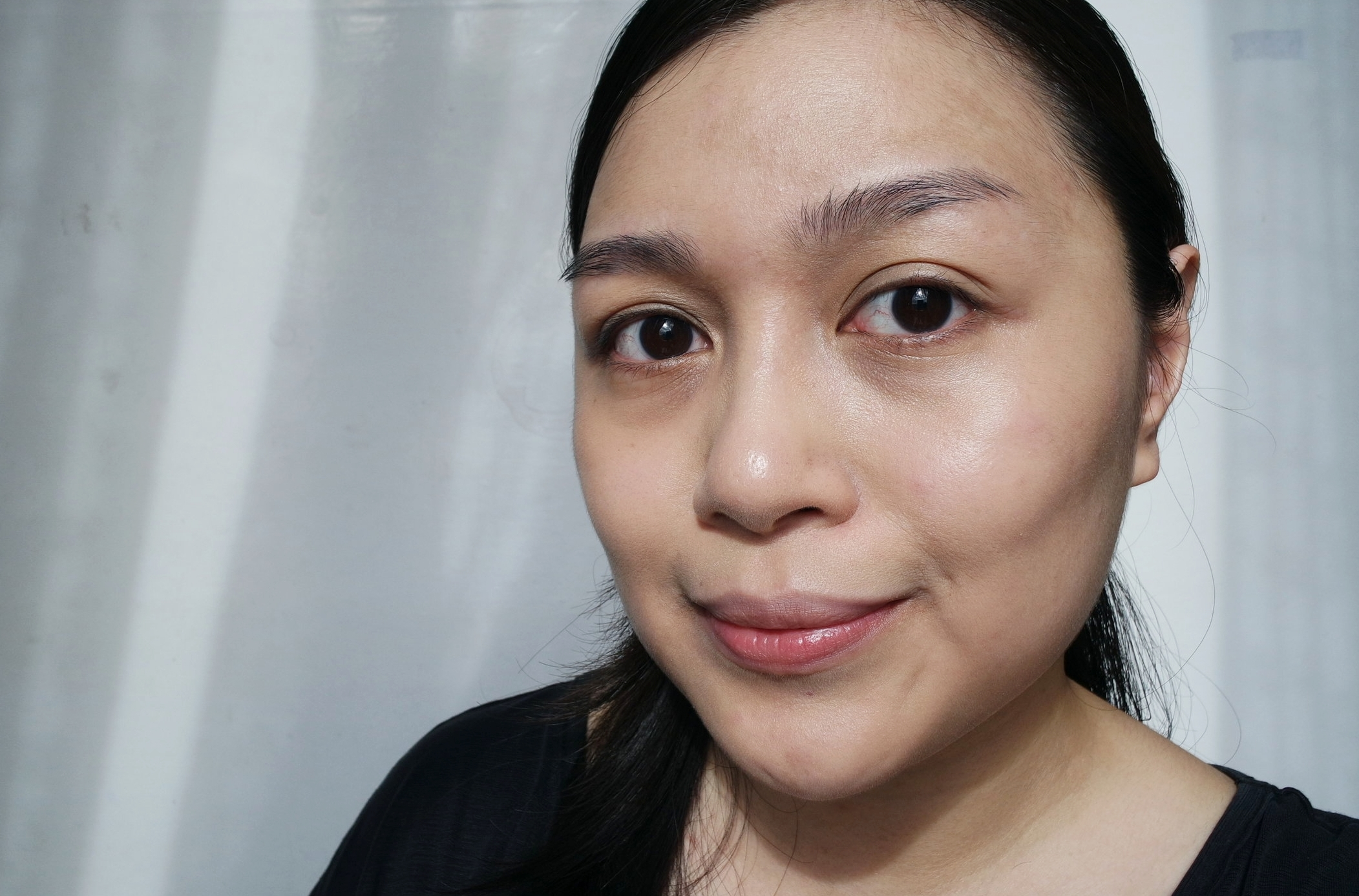 This foundation wears like second skin! And coverage is pretty good, considering that my undereye circles are usually quite prominent.