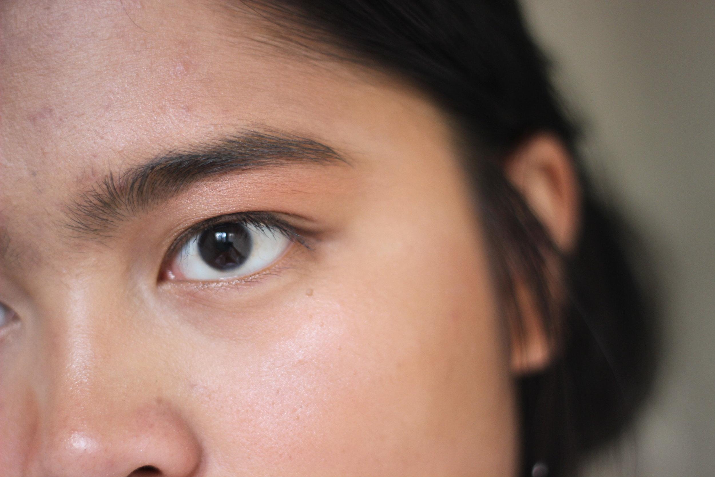 concealer-defined brows