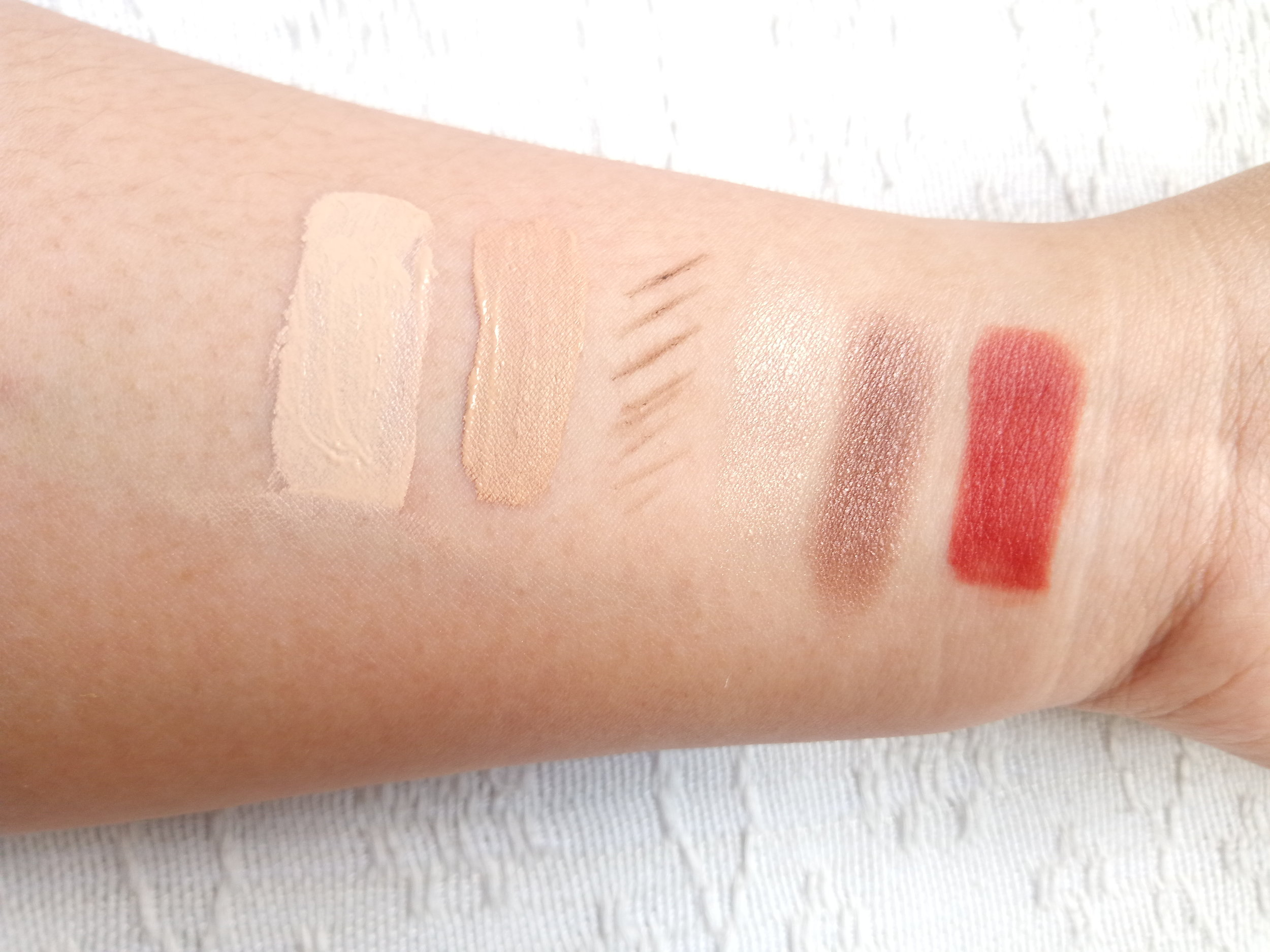 Swatches, from left: Photo Blur BB Cream, Liquid Veil Concealer (N203), Lovely Me:Ex Style My Eyebrow (02 Black Brown), Mono Cube Eyeshadow (BR04 Chai Tea Chocolate), Finger Cotton Tint (08 Brown-presso)