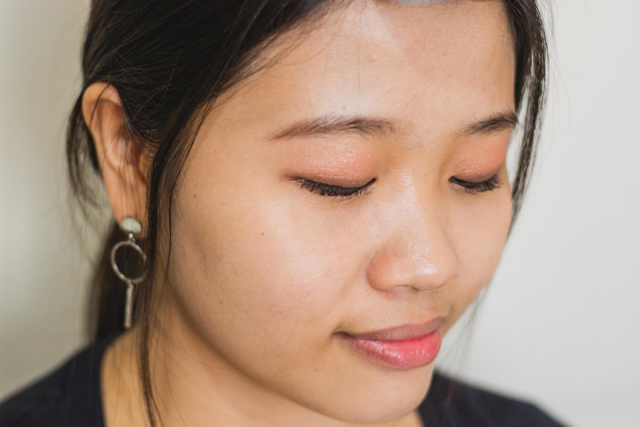 Canmake-full-face-makeup_eye-base-highlighter-juicy-glow-skin-base-mermaid-sun-gel-UV-juicy-lady-liquid-cheek-creamy-eyebrow-eyeshadow_review-philippines_2019_47.jpg