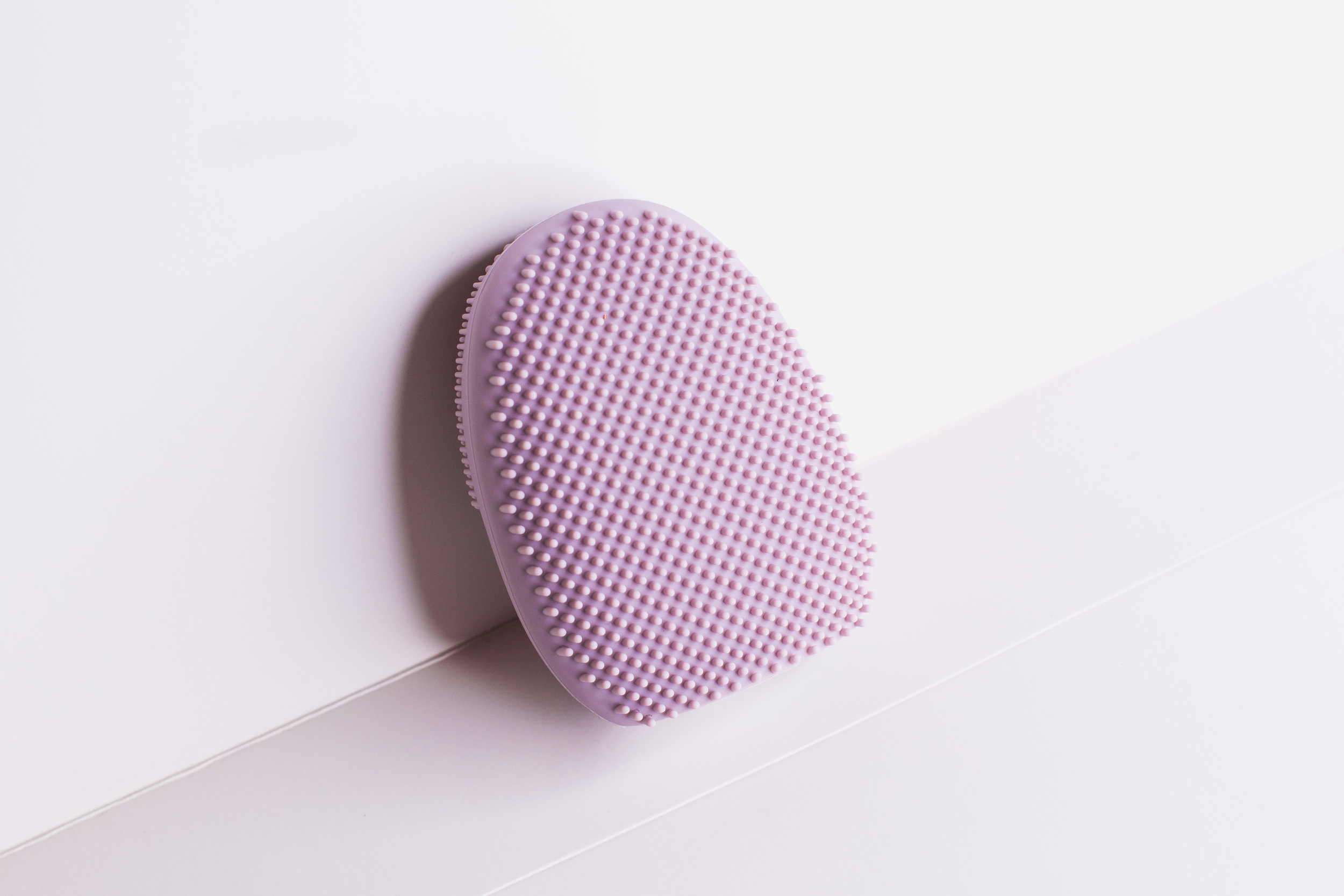 Back view of the Silicone Facial Cleanser