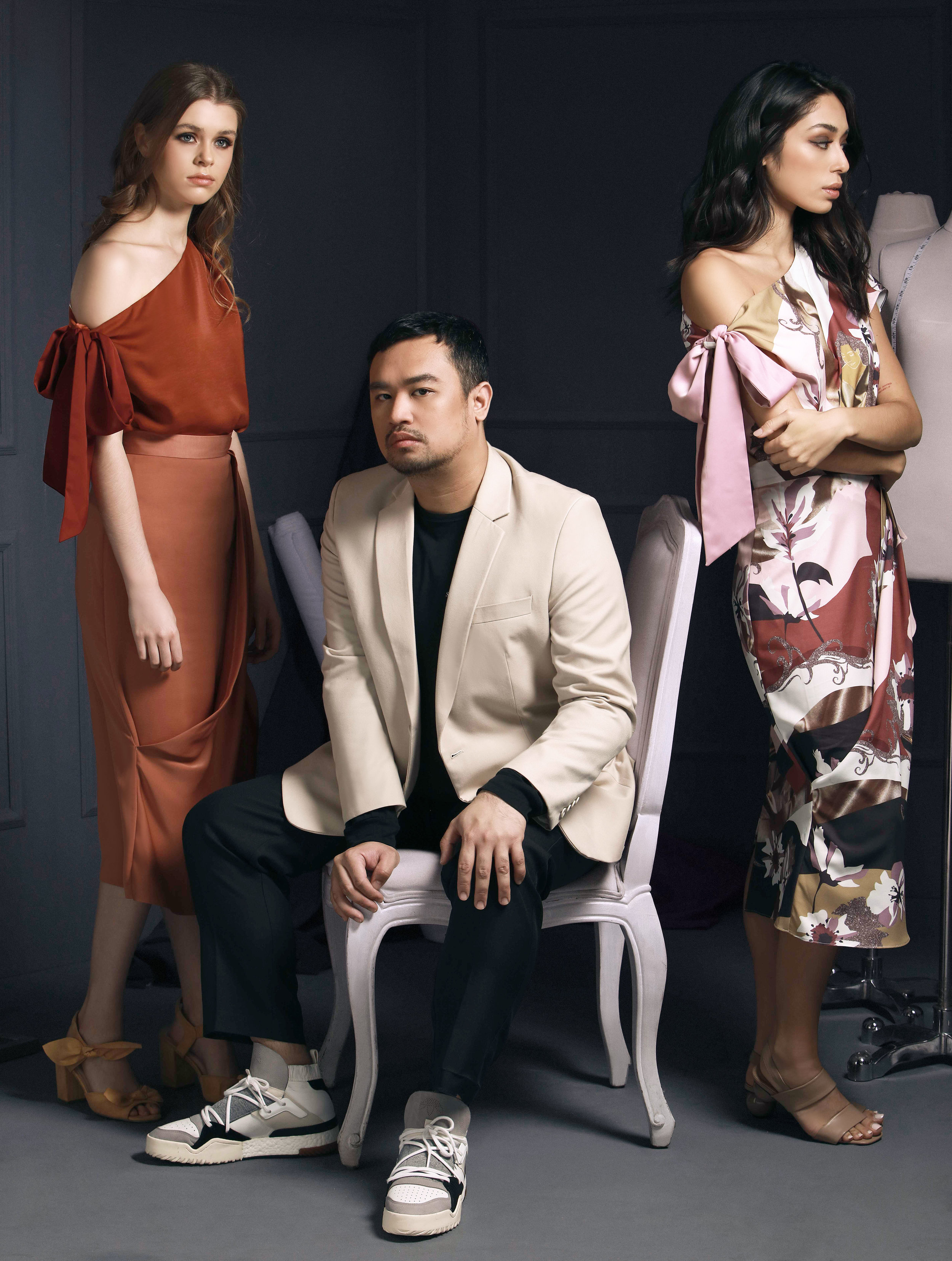 Martin Bautista's one-shoulder top and skirt number comes in the sienna Celine (P2998) and the printed Cecile (P2998).