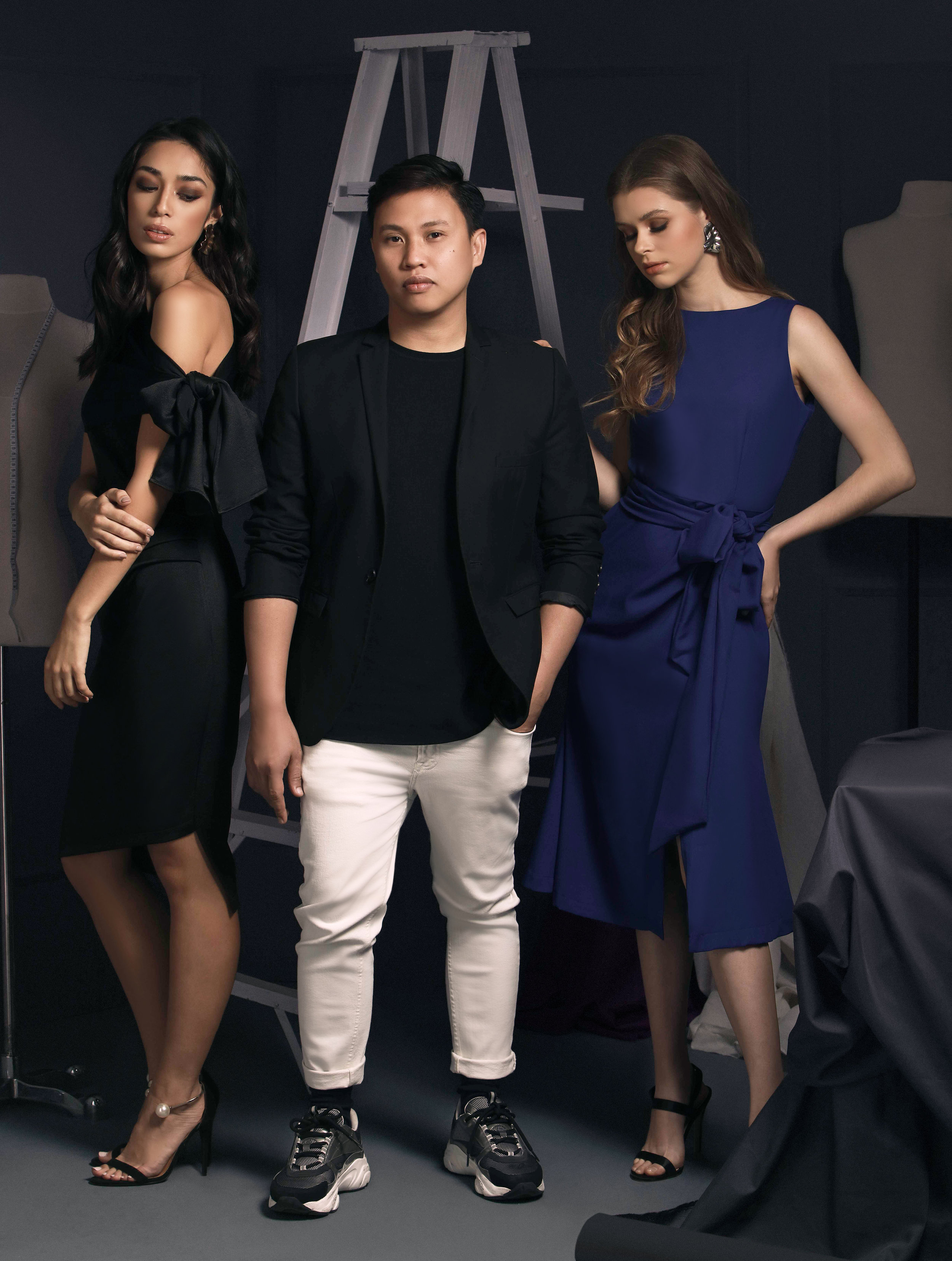Anthony Ramirez shows his penchant for solid colors with the black Catalina (P2898) and the blue Kiarra (P2898).