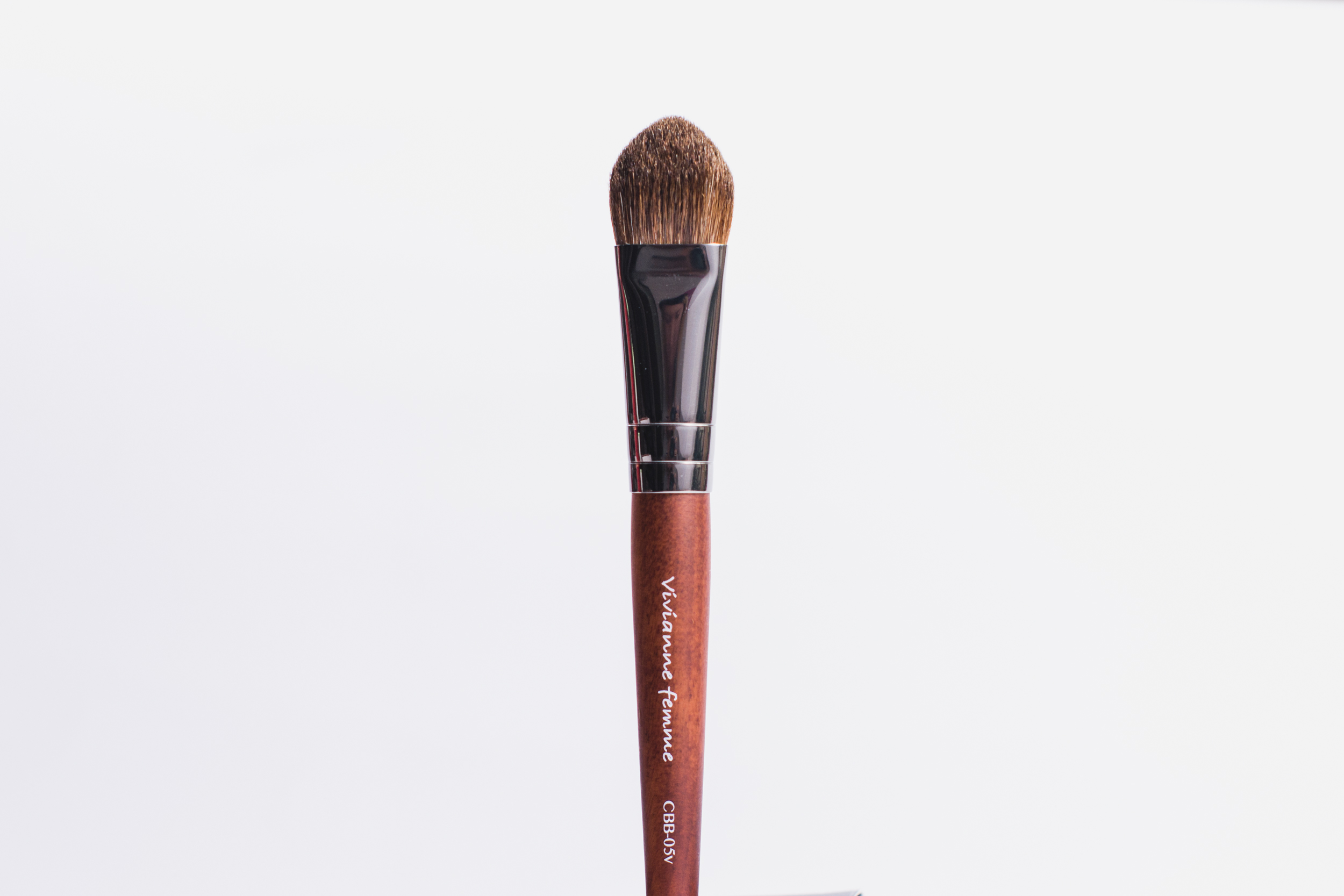 Vivianne Femme All-Over Oval Brush (P595)
