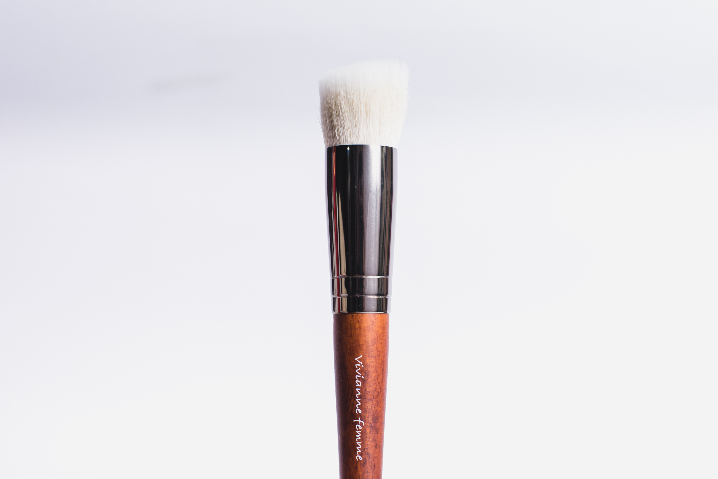 Vivianne Femme Ultra Blending Face Brush (P1,145)