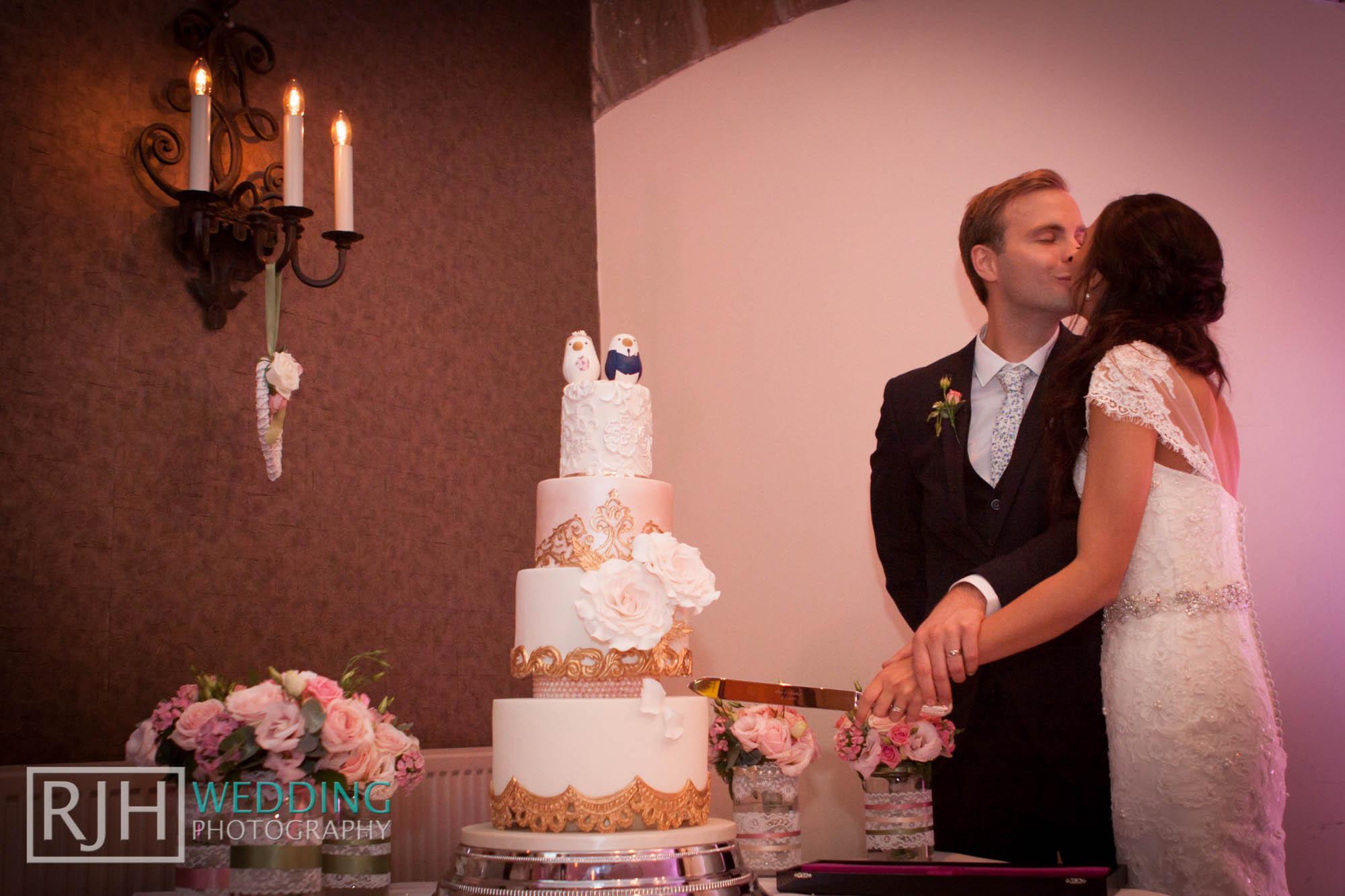RJH Wedding Photography_Tankersley Manor Wedding_56.jpg