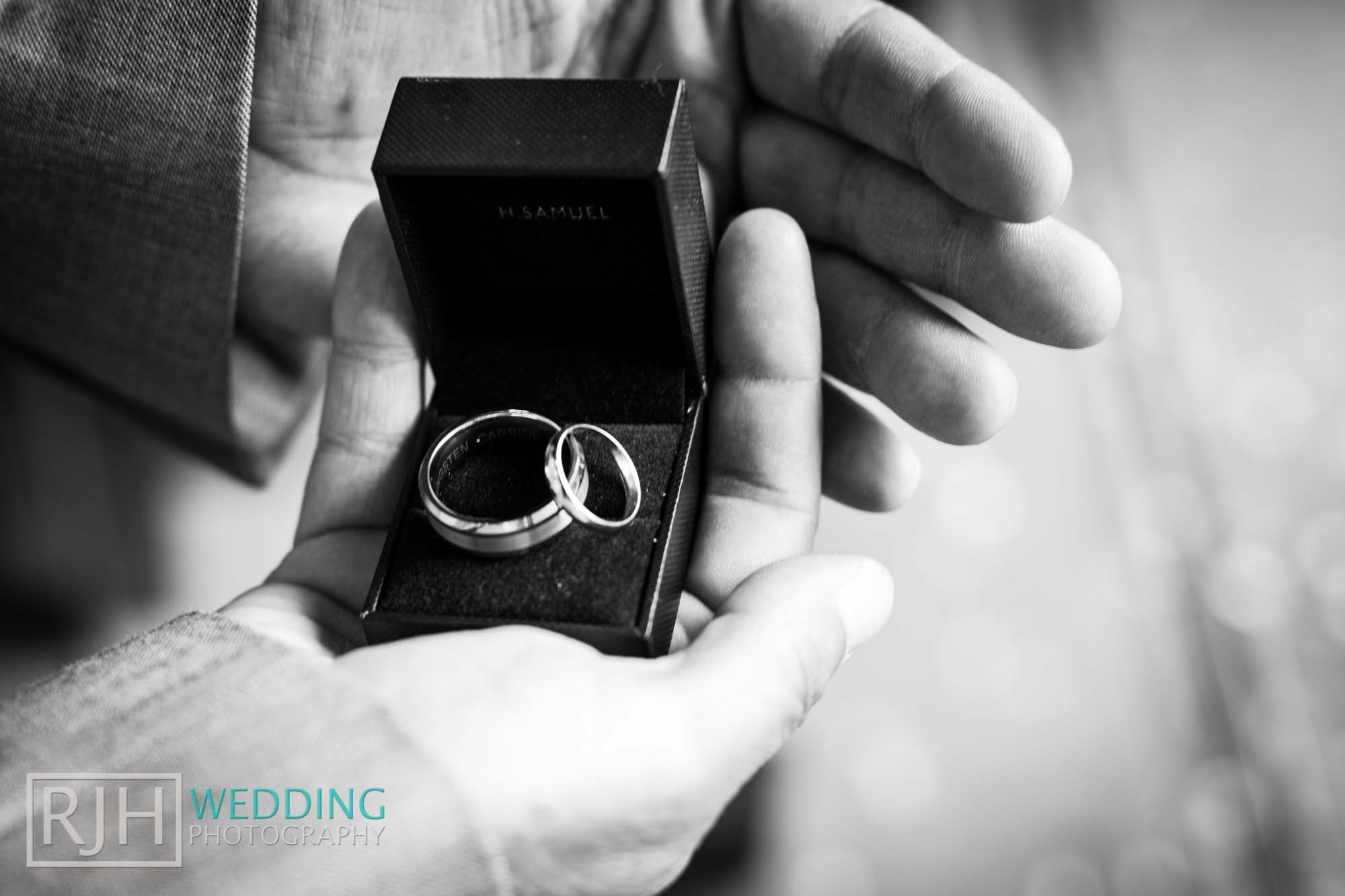 Sheffield City Hall_Ellis Wedding_143_IMG_4173.jpg