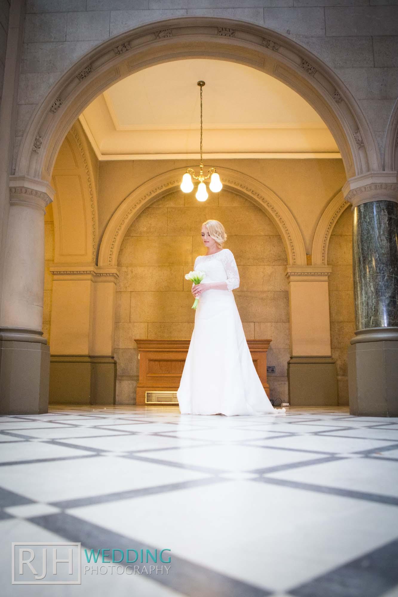 Sheffield City Hall_Ellis Wedding_180_3C2A3427.jpg