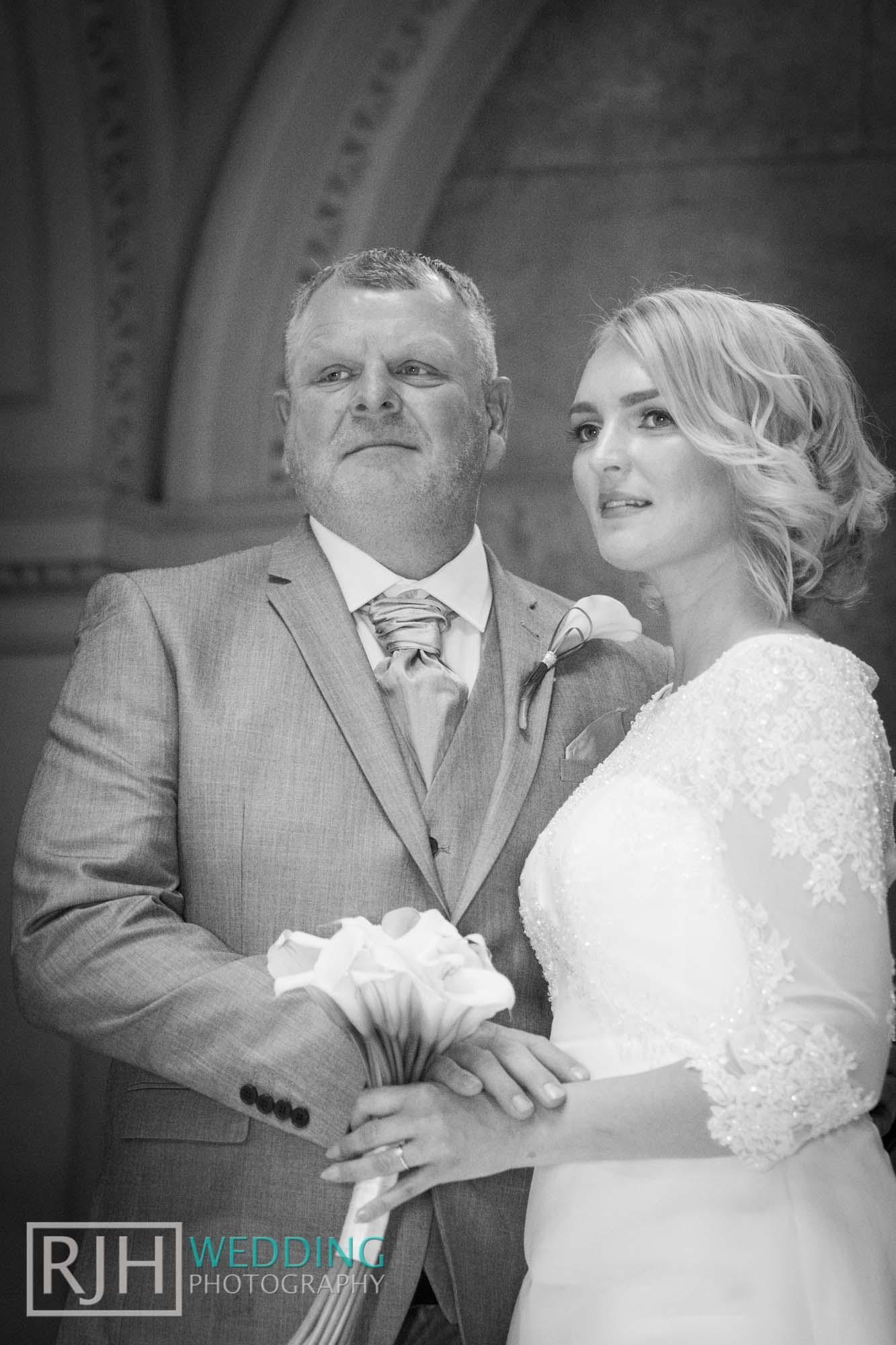 Sheffield City Hall_Ellis Wedding_186_IMG_4262.jpg