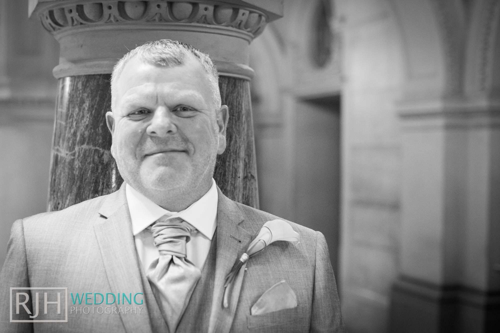 Sheffield City Hall_Ellis Wedding_208_IMG_4295.jpg