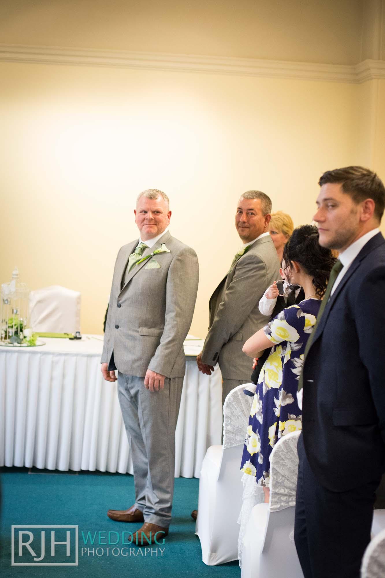 Sheffield City Hall_Ellis Wedding_225_IMG_4372.jpg