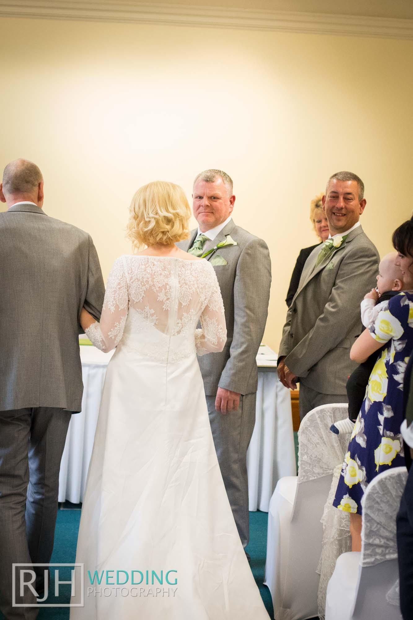 Sheffield City Hall_Ellis Wedding_230_IMG_4390.jpg
