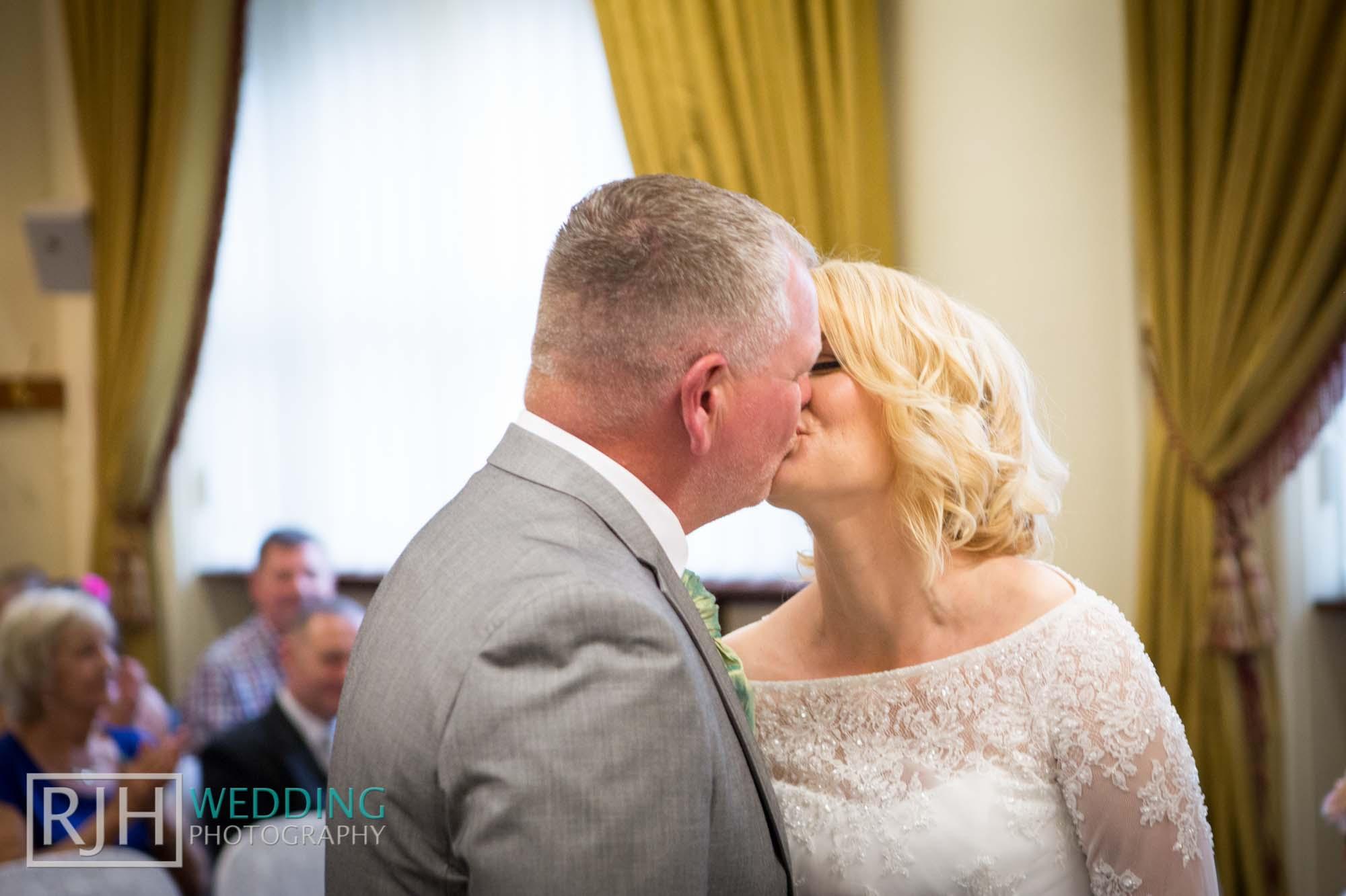Sheffield City Hall_Ellis Wedding_256_3C2A3556.jpg