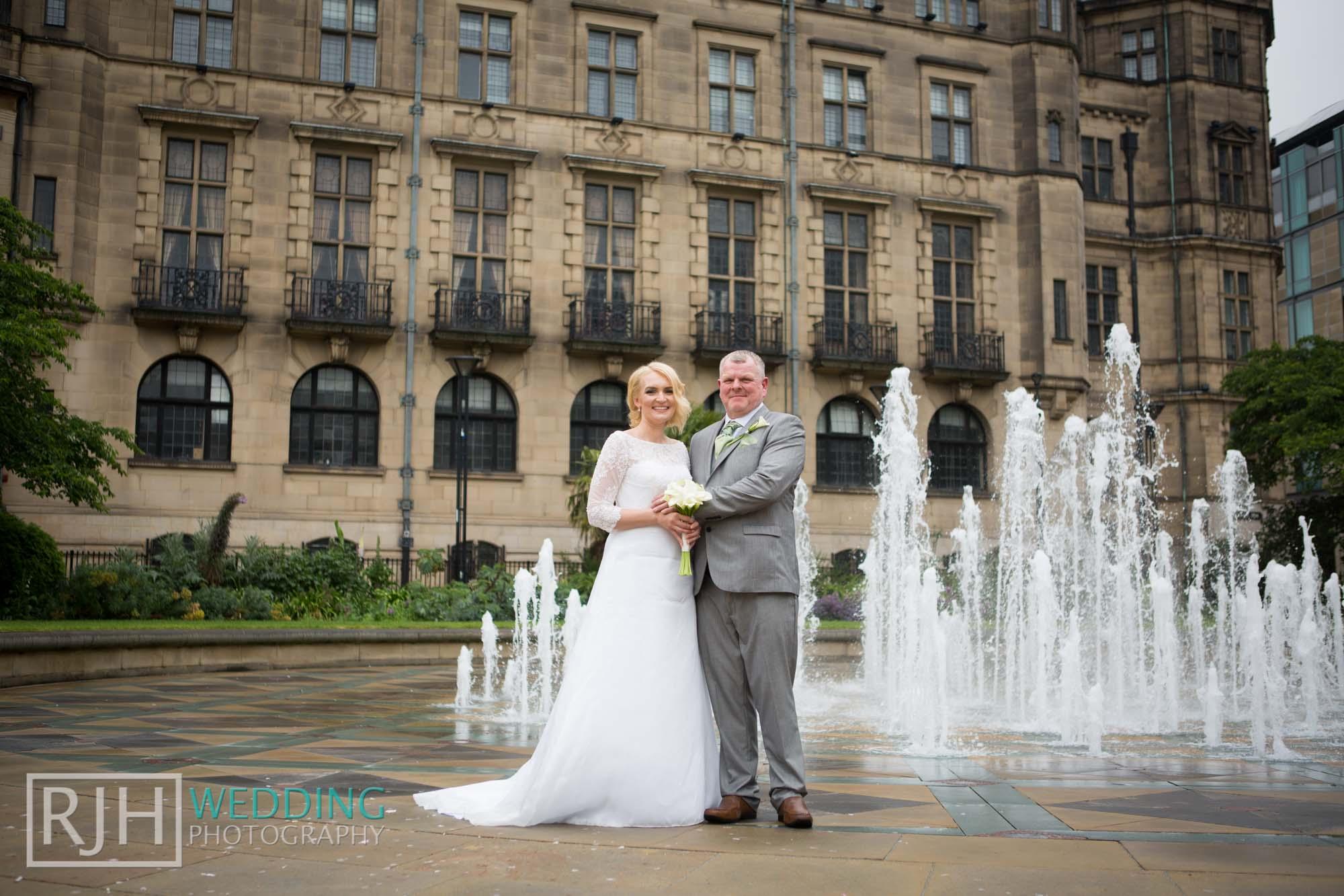 Sheffield City Hall_Ellis Wedding_325_3C2A3721.jpg