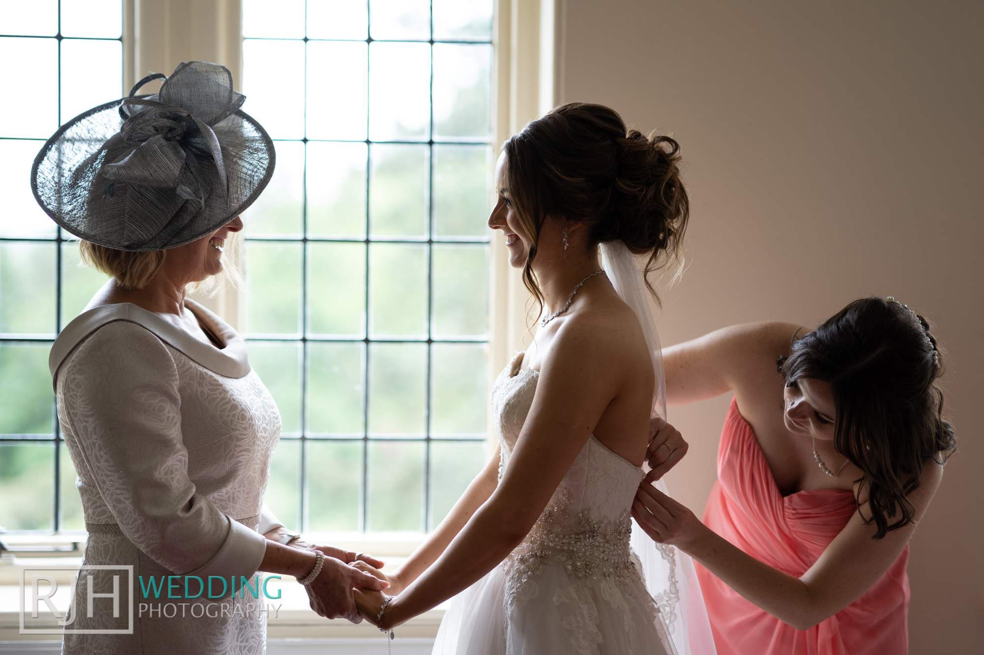 Whirlowbrook Hall Wedding Photography_Jack & Lydia_021_DS204730.jpg
