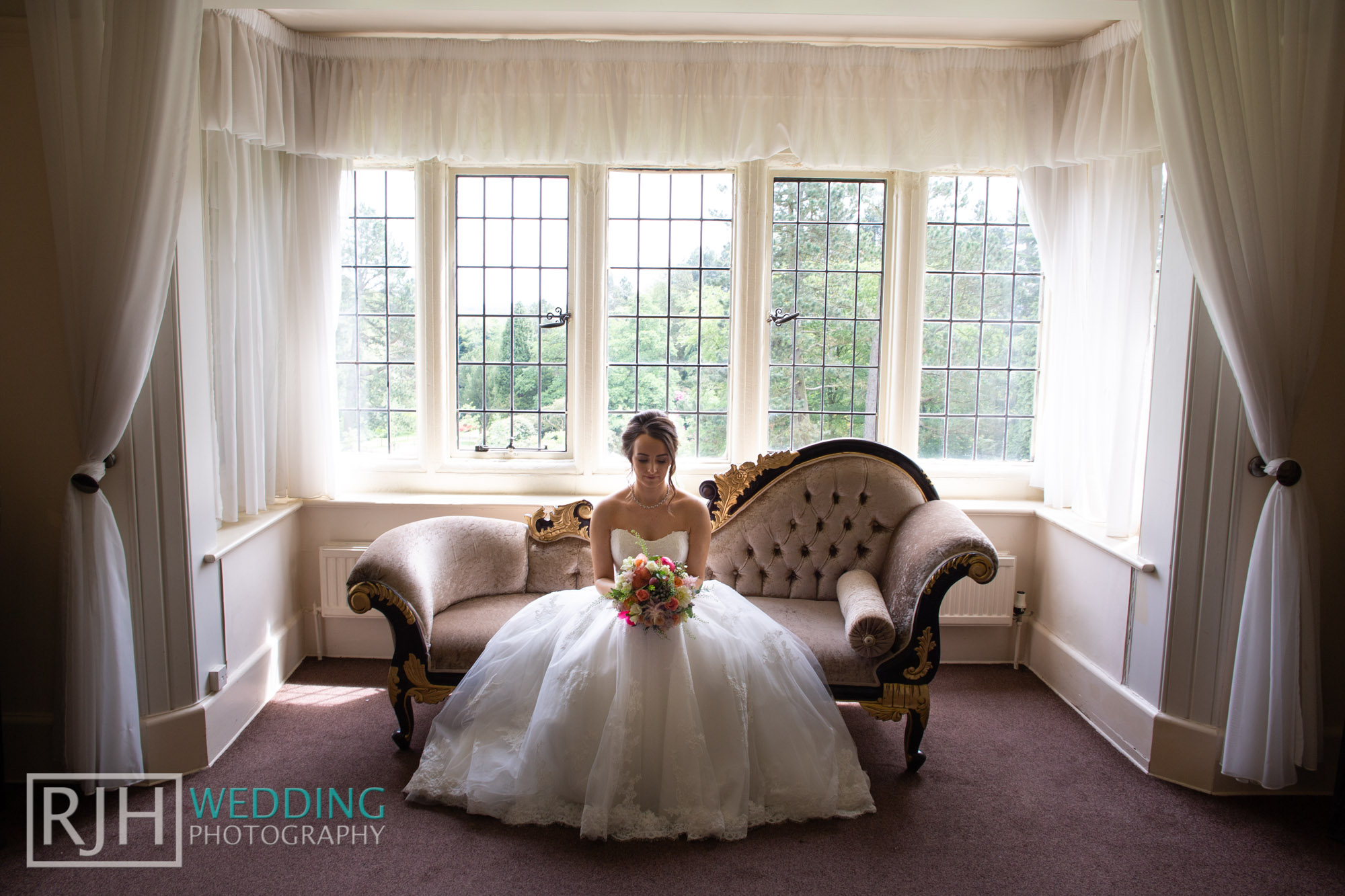 Whirlowbrook Hall Wedding Photography_Jack & Lydia_023_3C2A3109.jpg