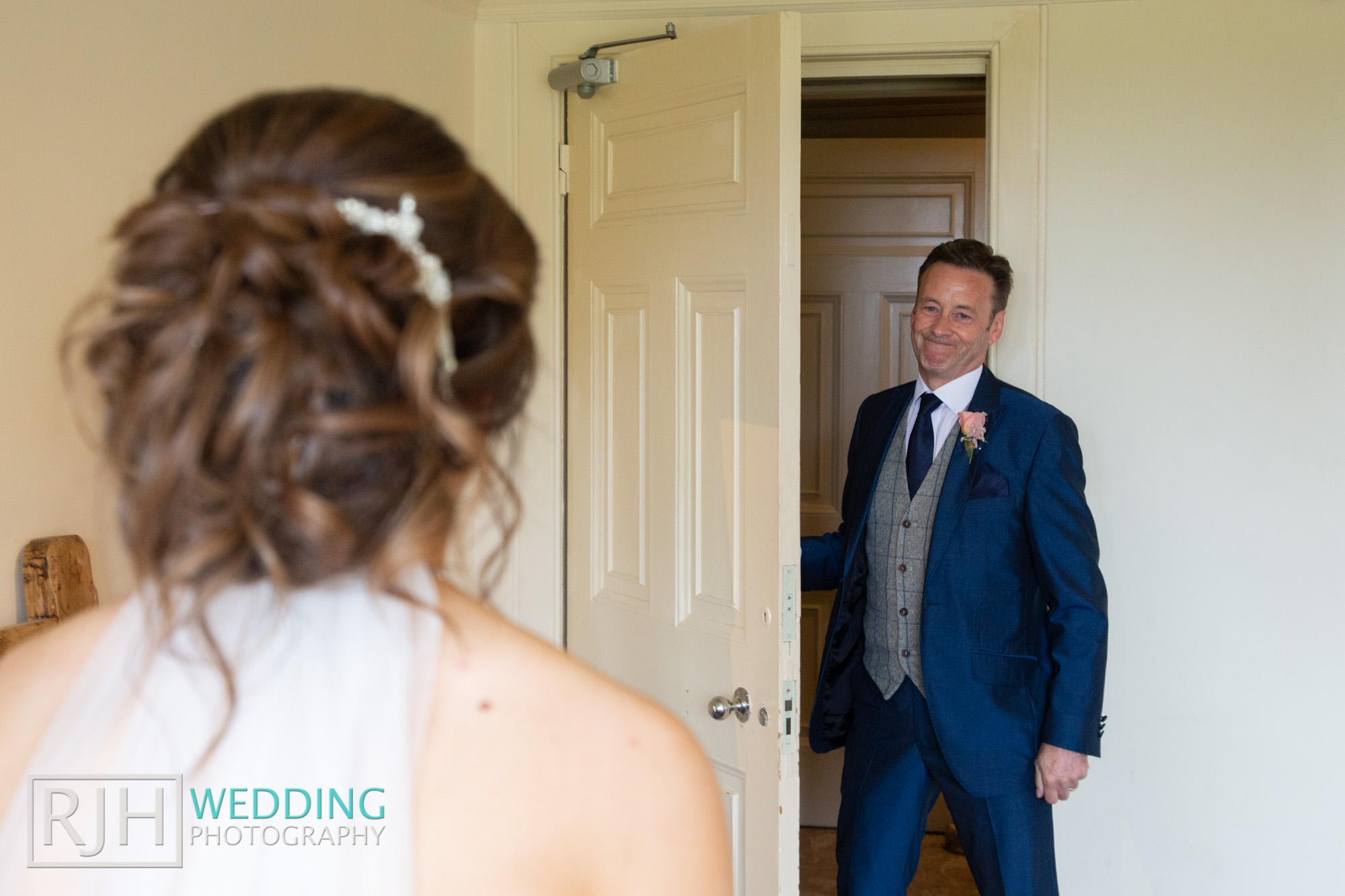 Whirlowbrook Hall Wedding Photography_Jack & Lydia_025_3C2A3167.jpg
