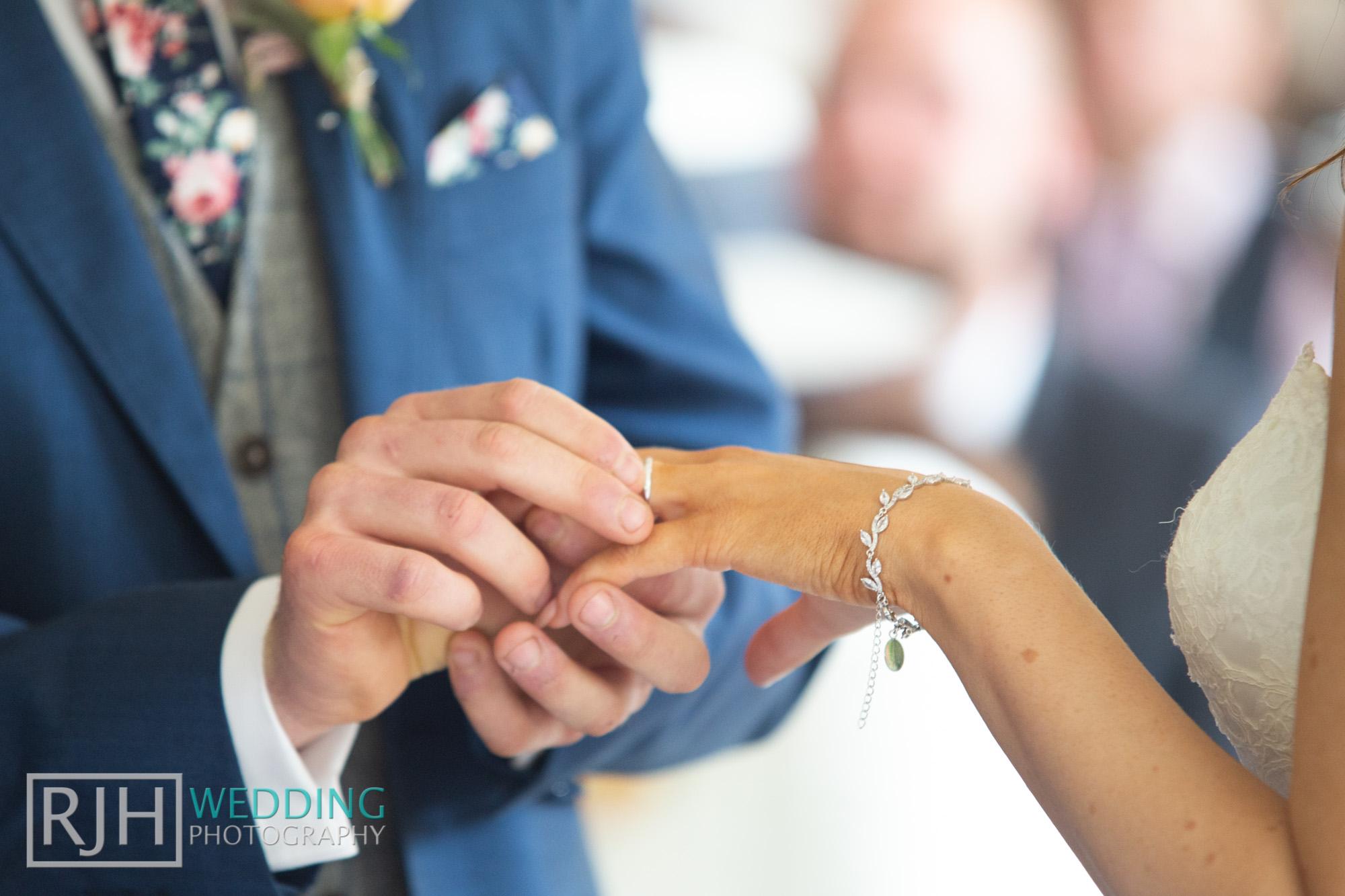 Whirlowbrook Hall Wedding Photography_Jack & Lydia_038_IMG_4341.jpg