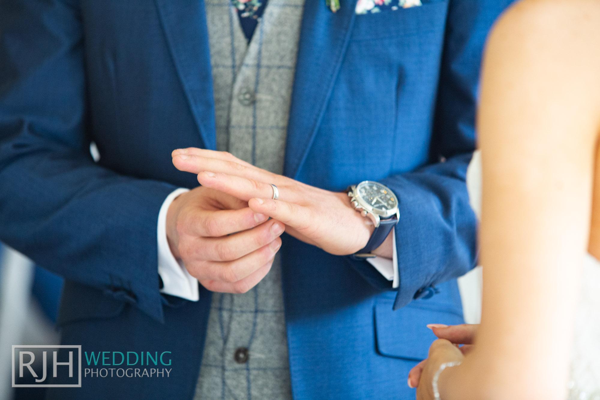 Whirlowbrook Hall Wedding Photography_Jack & Lydia_040_IMG_4361.jpg
