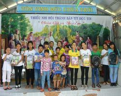 central-vietnam-scholarships_event2.jpg