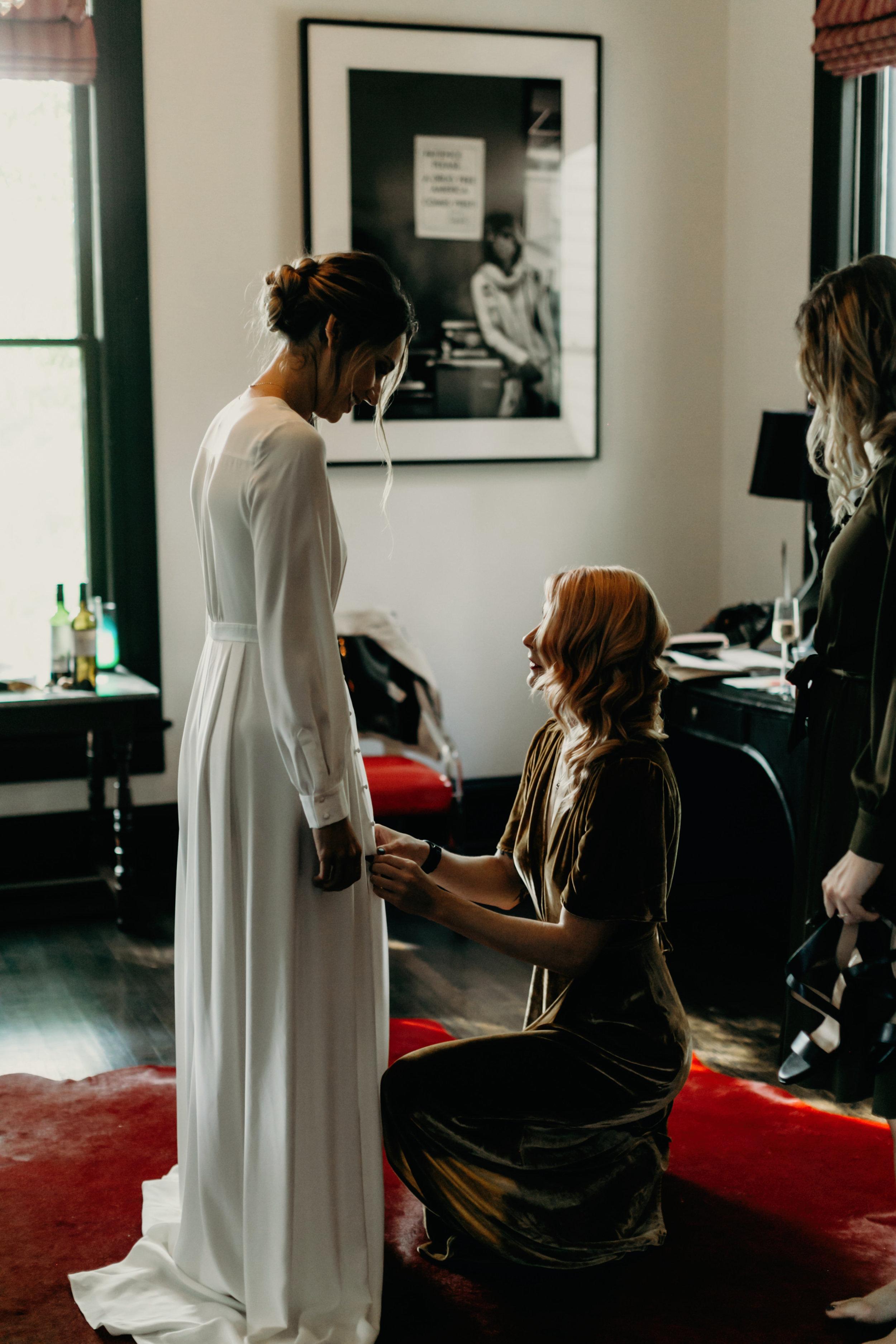 Intimate Wedding at Hotel Saint Cecilla, bride getting ready   Gloria Goode photography