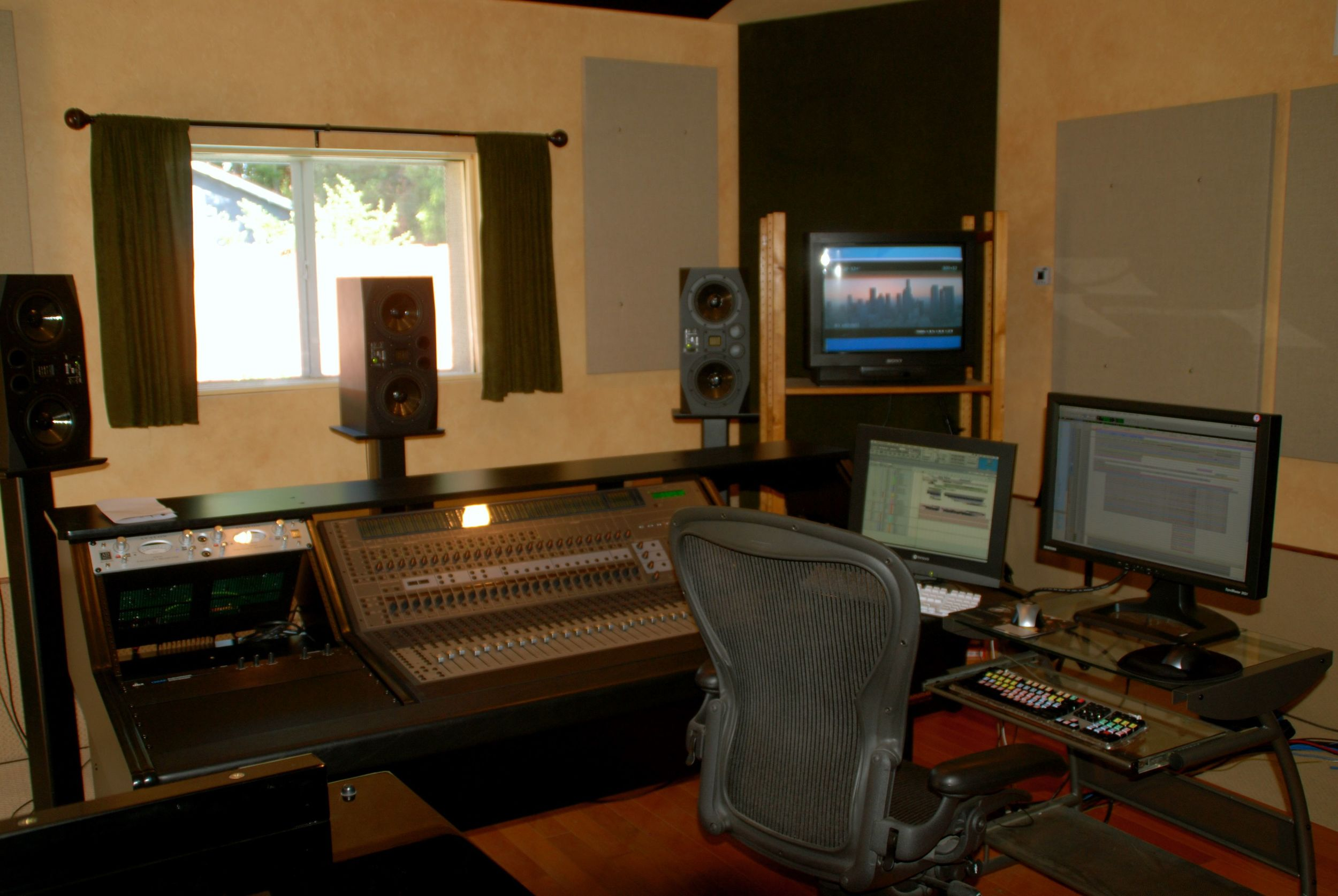 studio pic 1.jpg