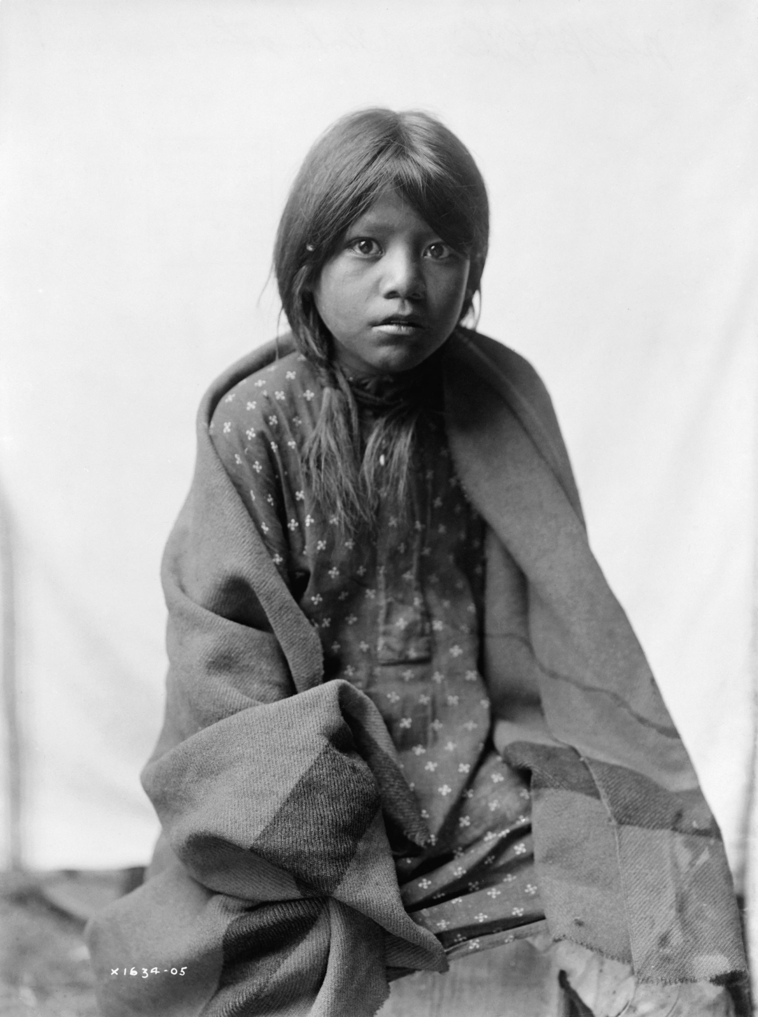 Taos Girl Edward Curtis 1905.jpg
