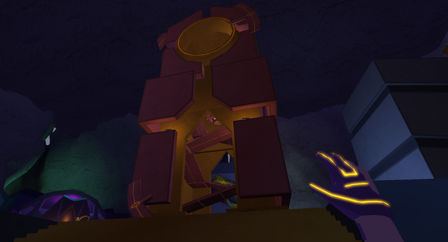 In-game screenshot: The clock tower, a central point for players to orient themselves