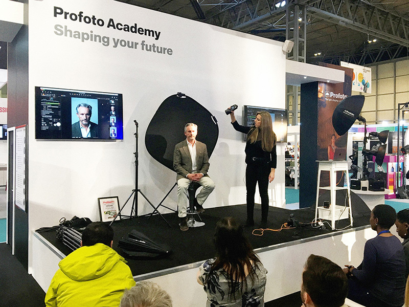 Hannah Couzens demonstrating the Profoto A1.