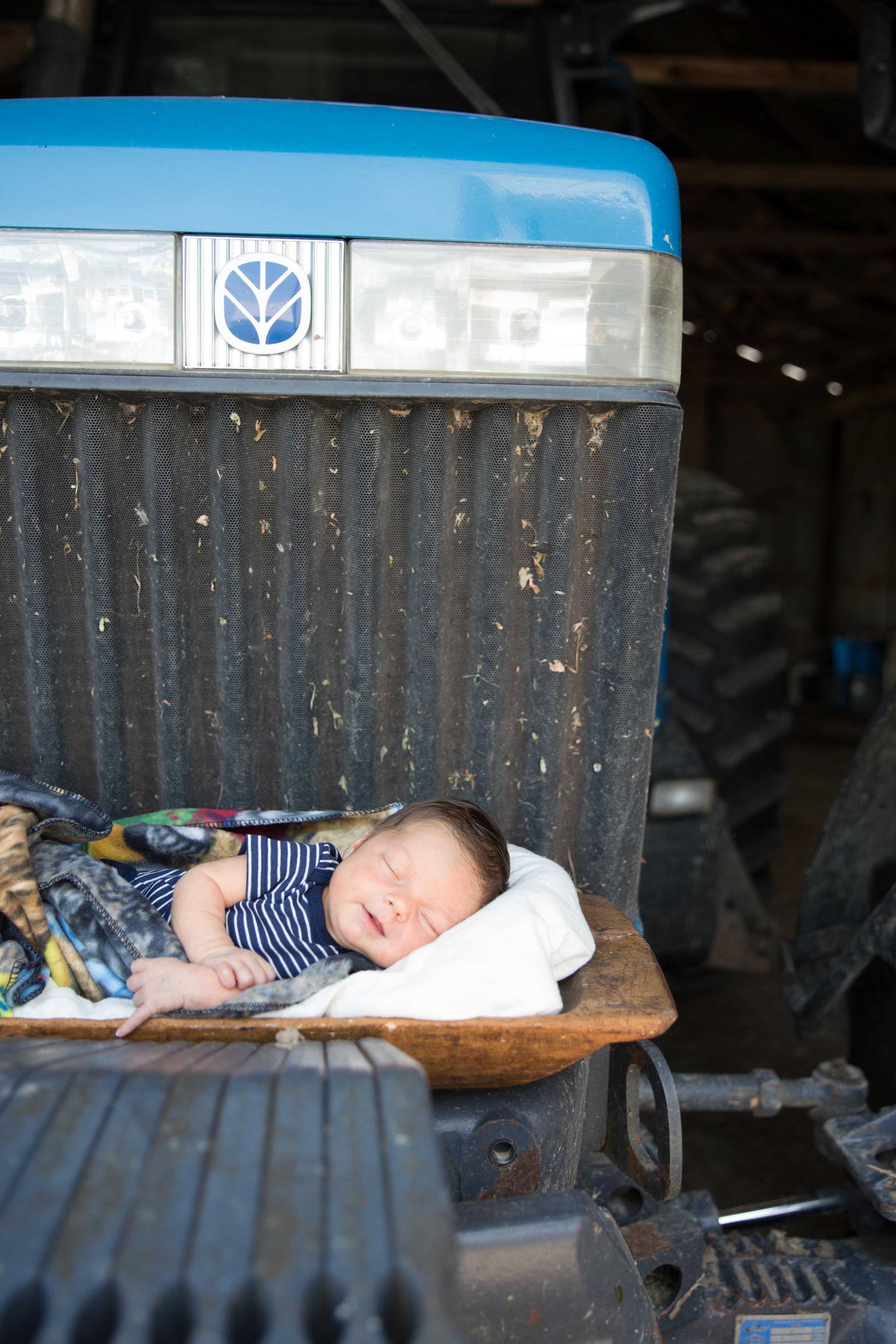 Fond du Lac WI Newborn Photographer - Whit Meza Photography