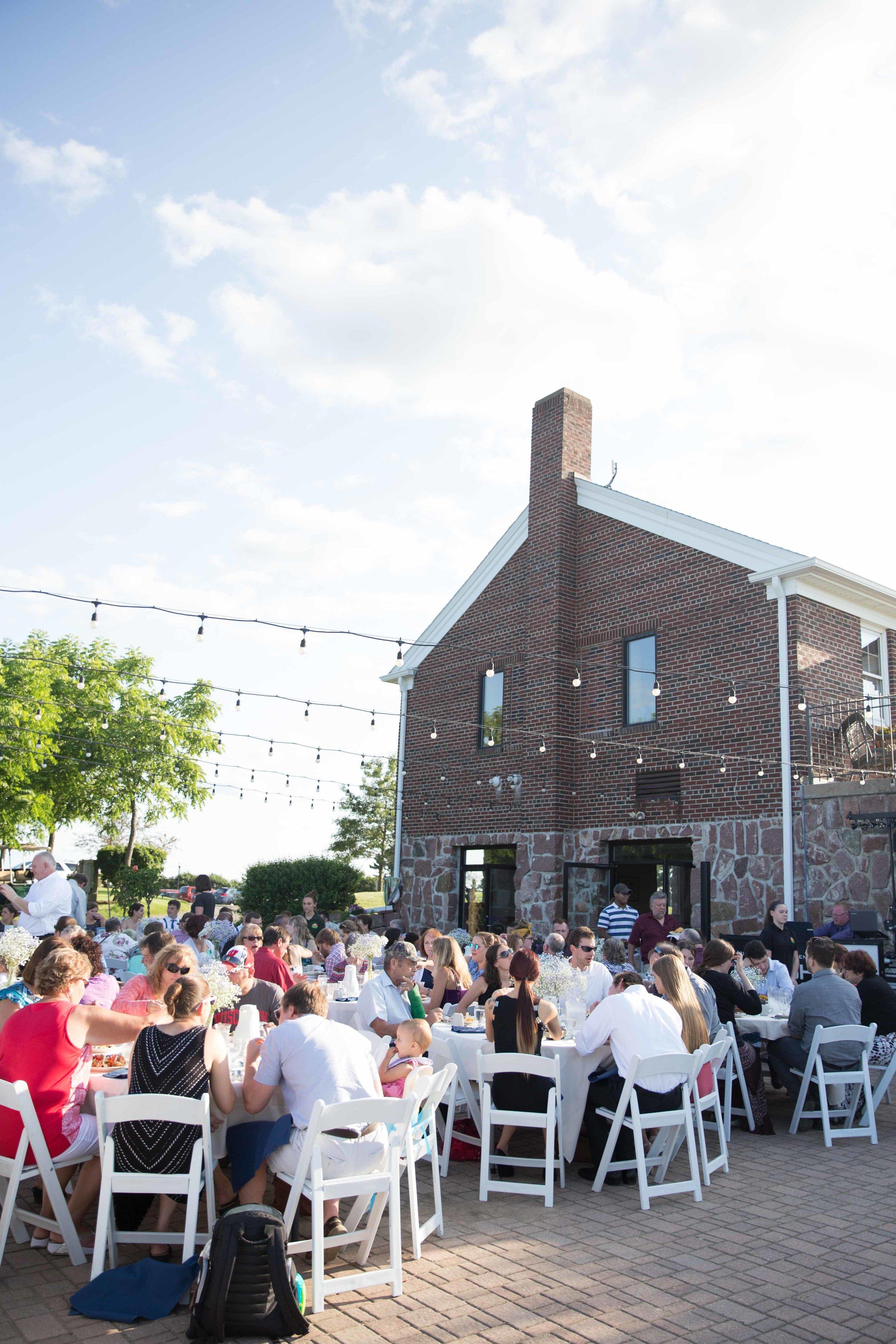Willow Springs Garden - Wausau Outdoor Wedding Venue - Whit Meza Photography