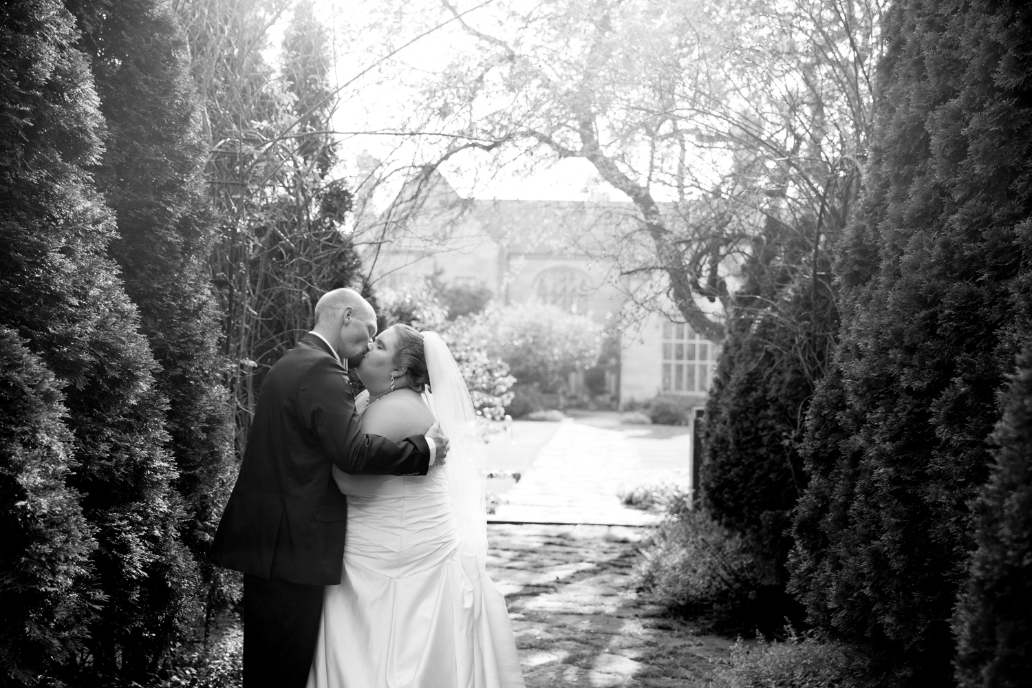 Paine Art Center Garden Wedding in Oshkosh WI