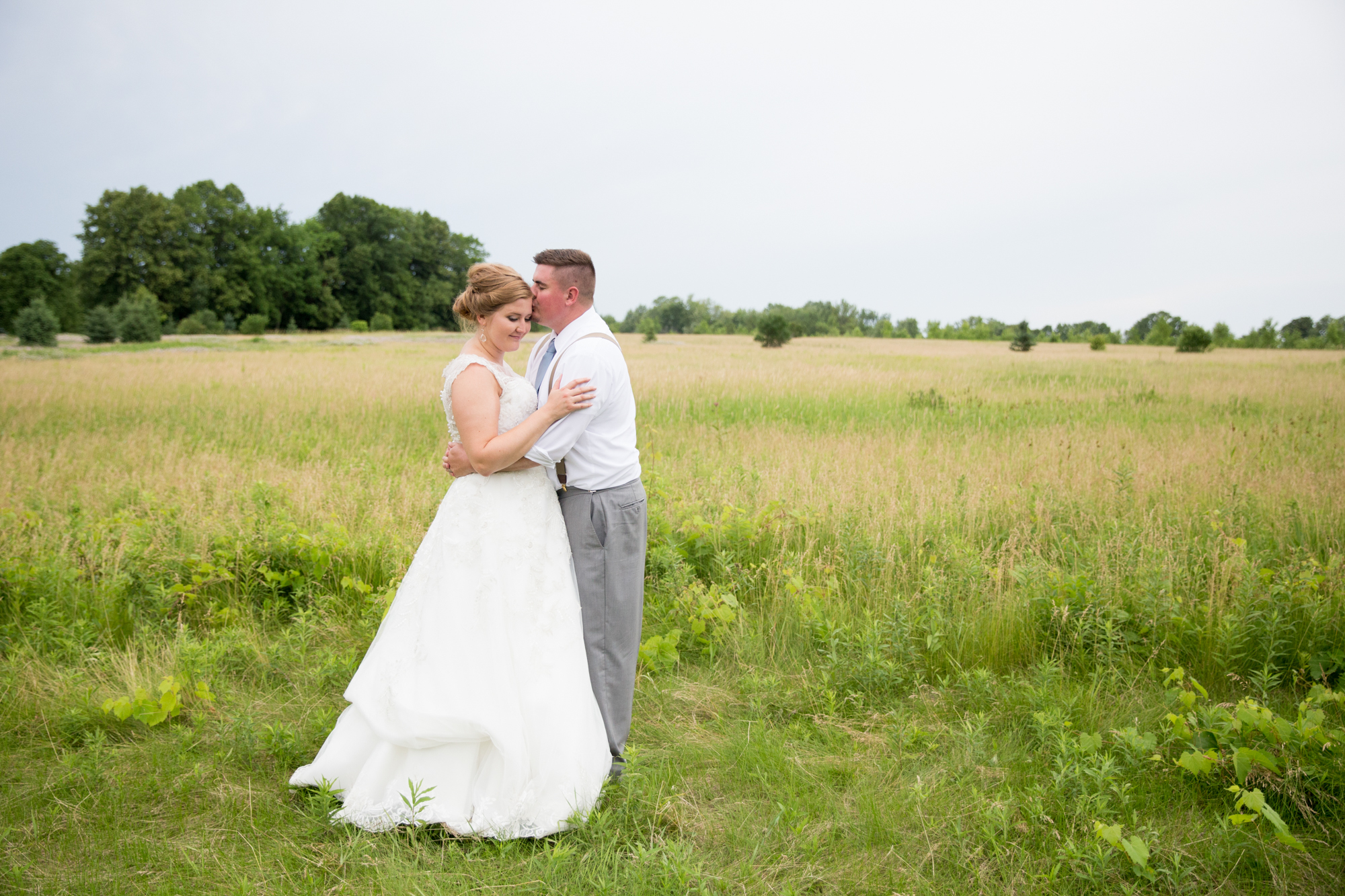 Homestead Meadows Wedding in Appleton Wisconsin - Whit Meza Photography