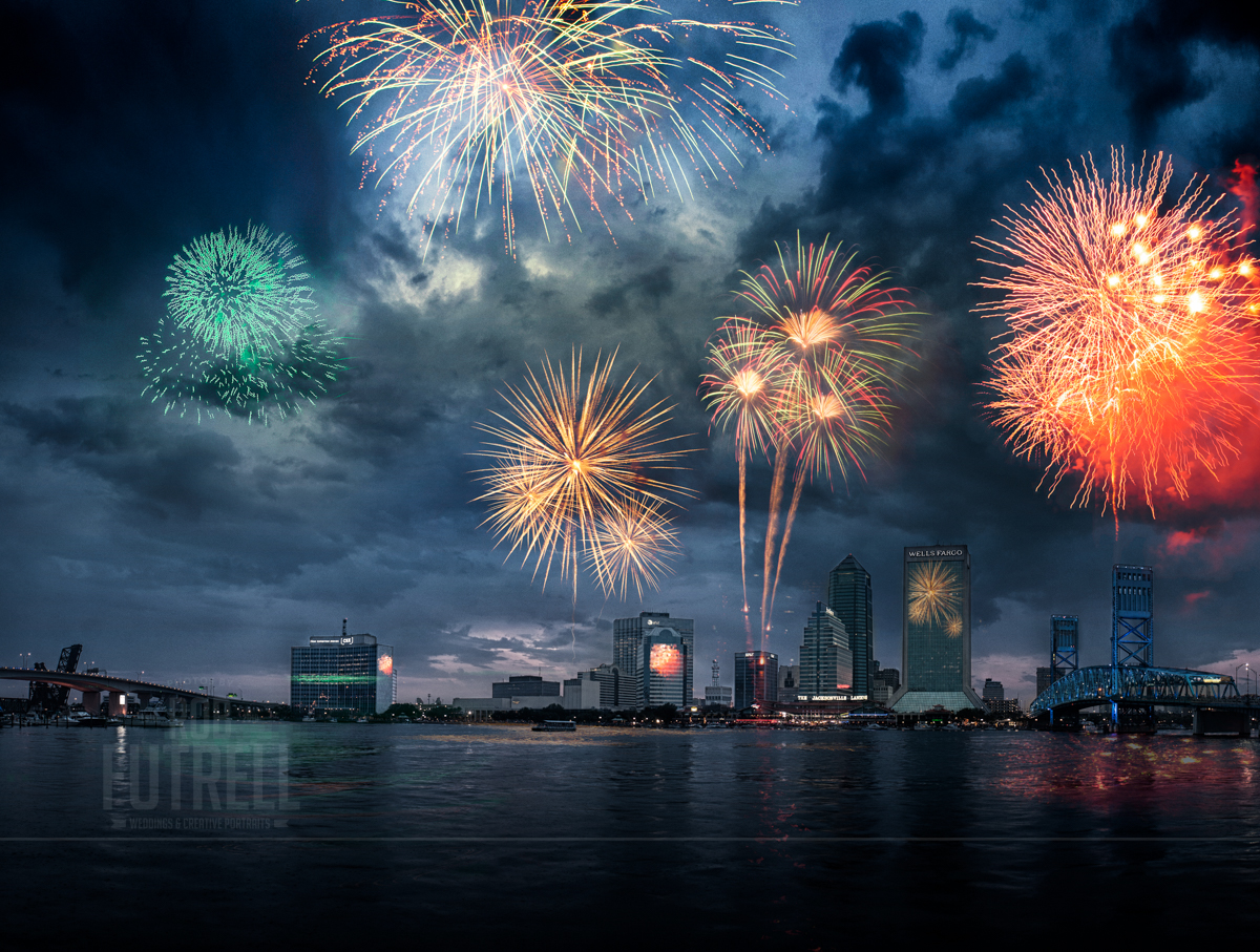 4th of July fireworks from Friendship fountain in Jacksonville, Florida. in 2011.