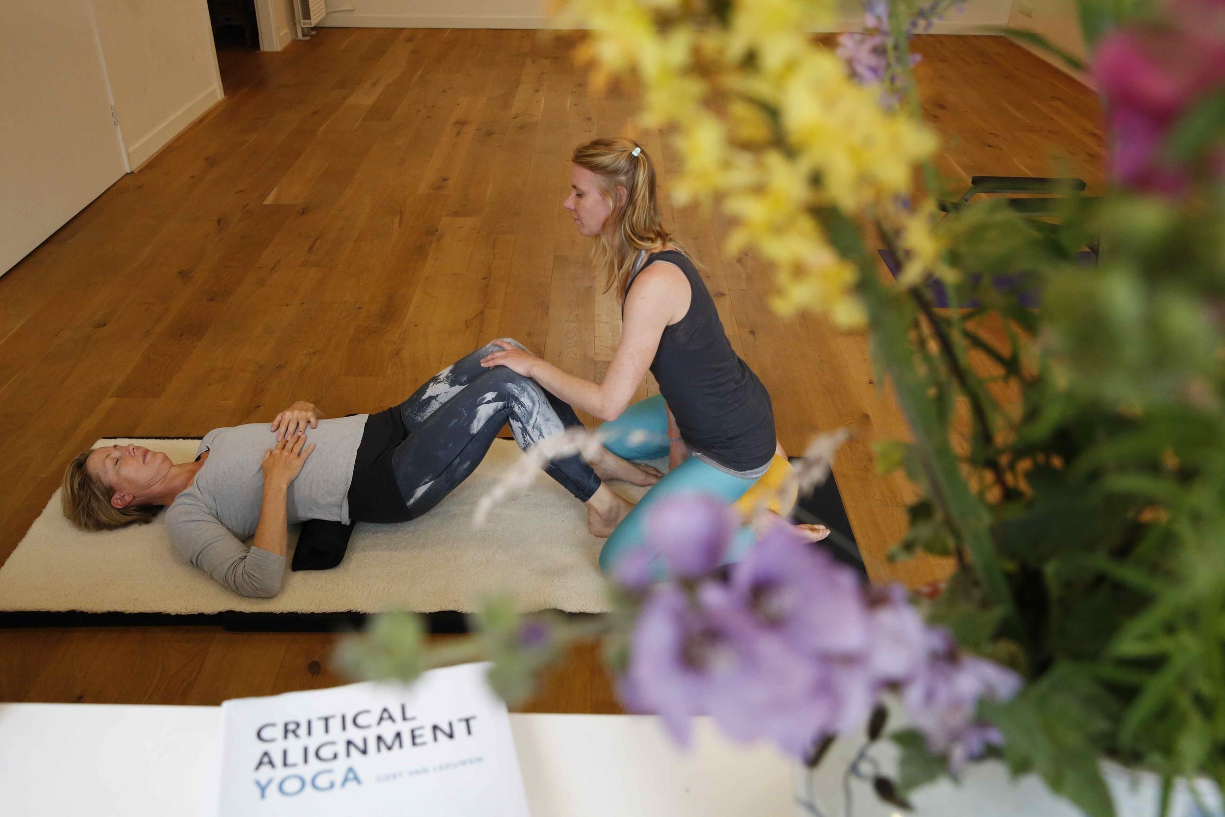 Kina & Wies yoga017.jpg