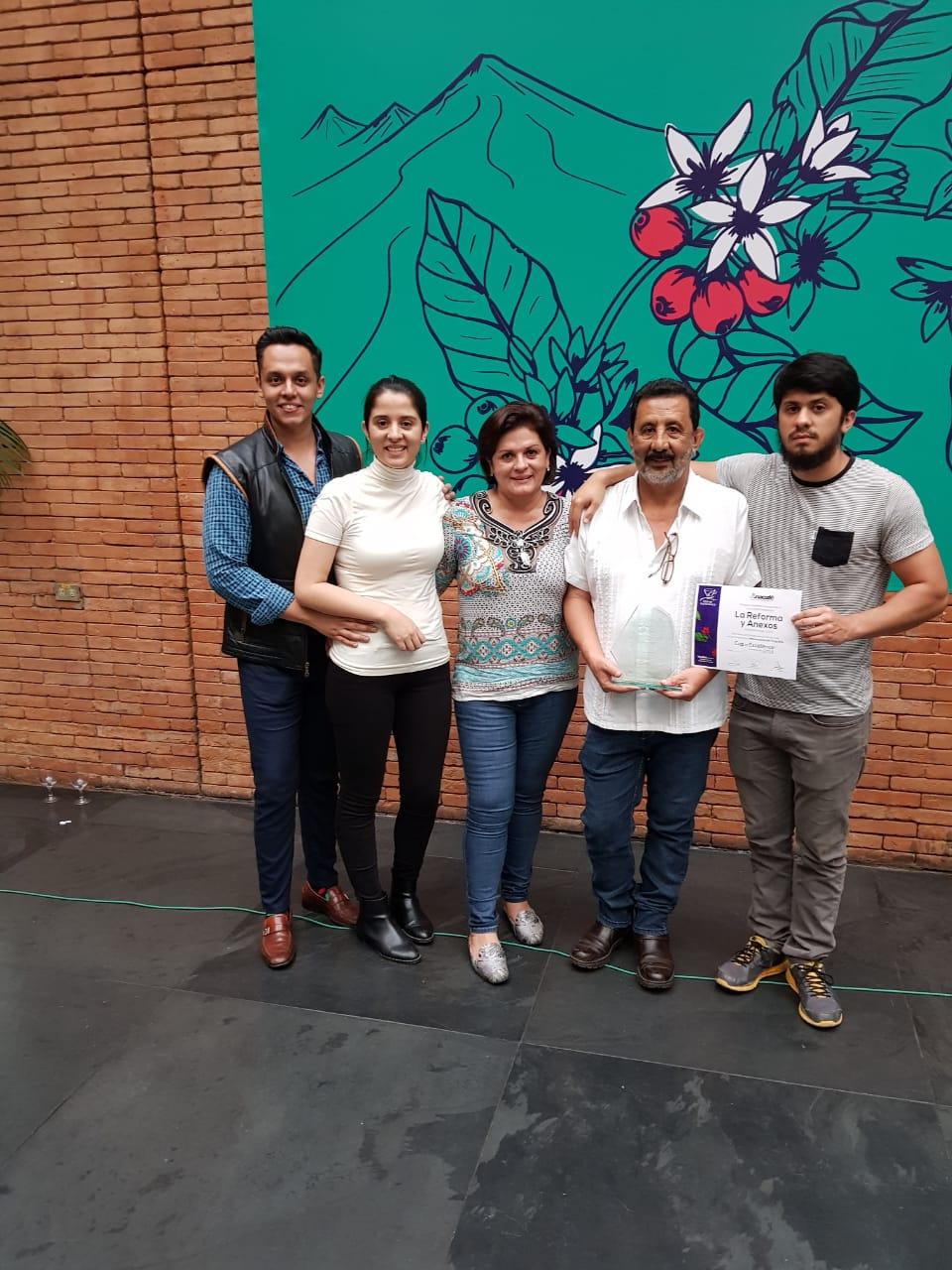 Familia Pérez Castillo COE.jpg