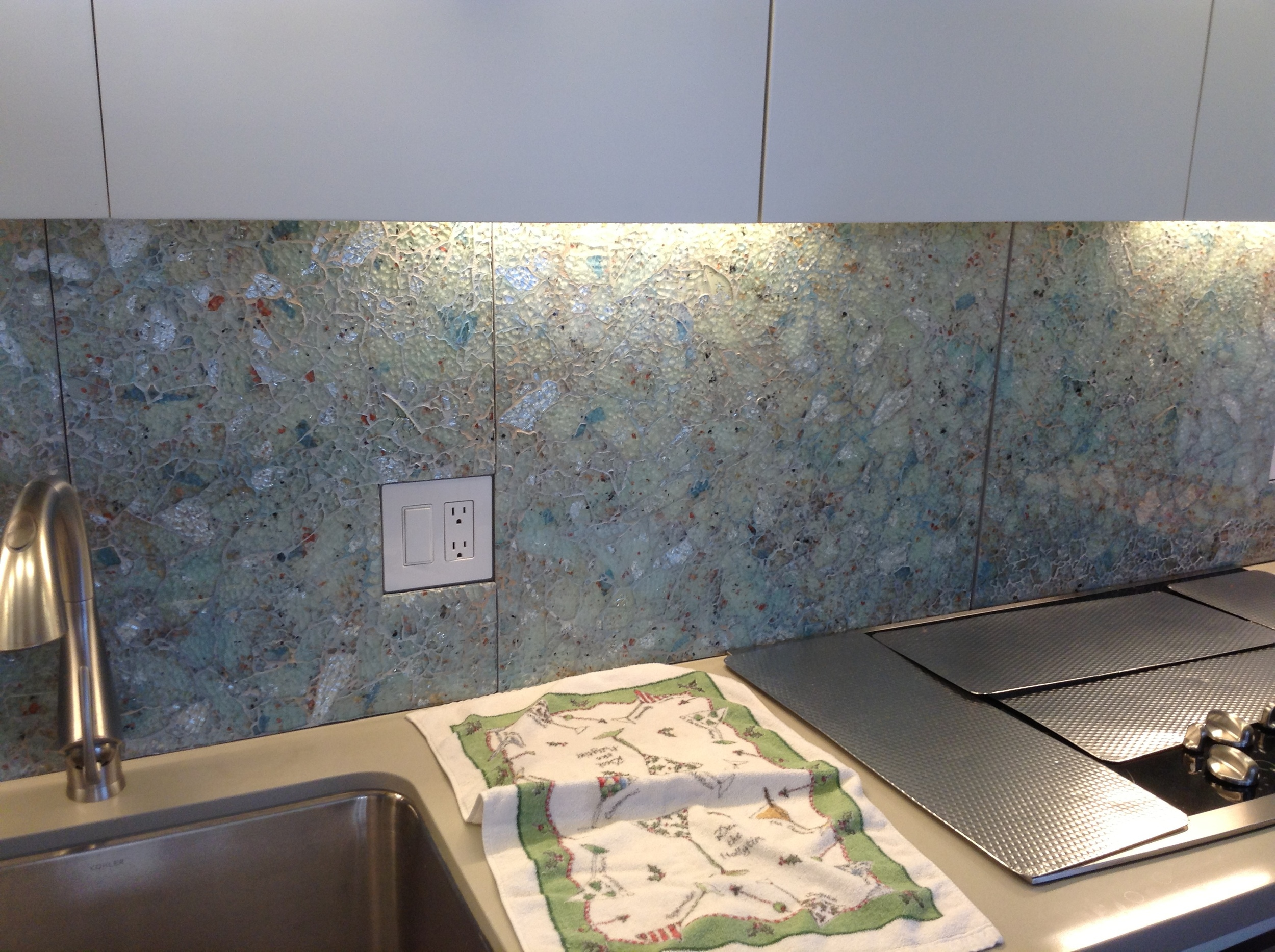 "Custom ""Splash"" Backsplash"