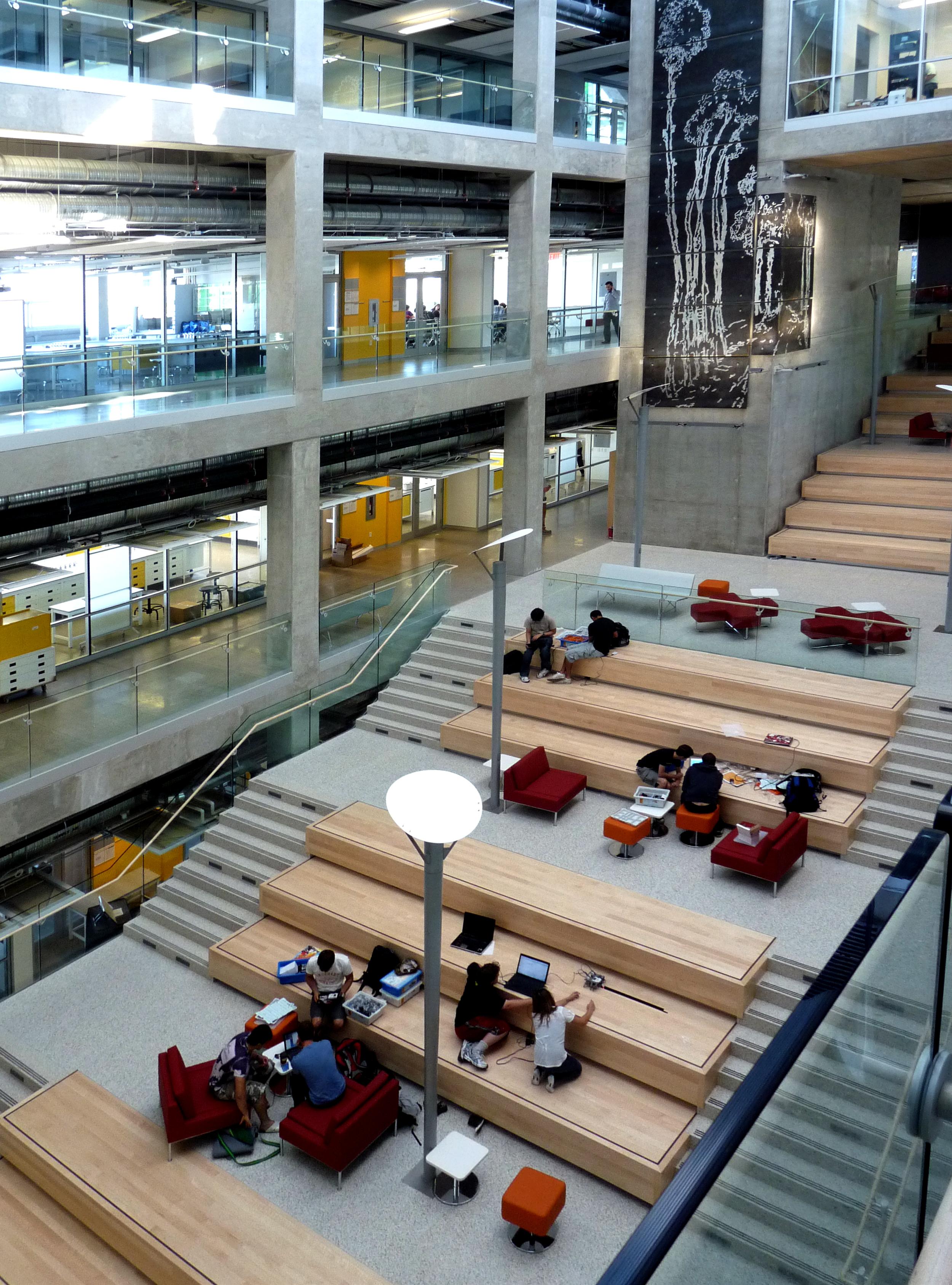 2011-09-08 EEEL social space.jpg