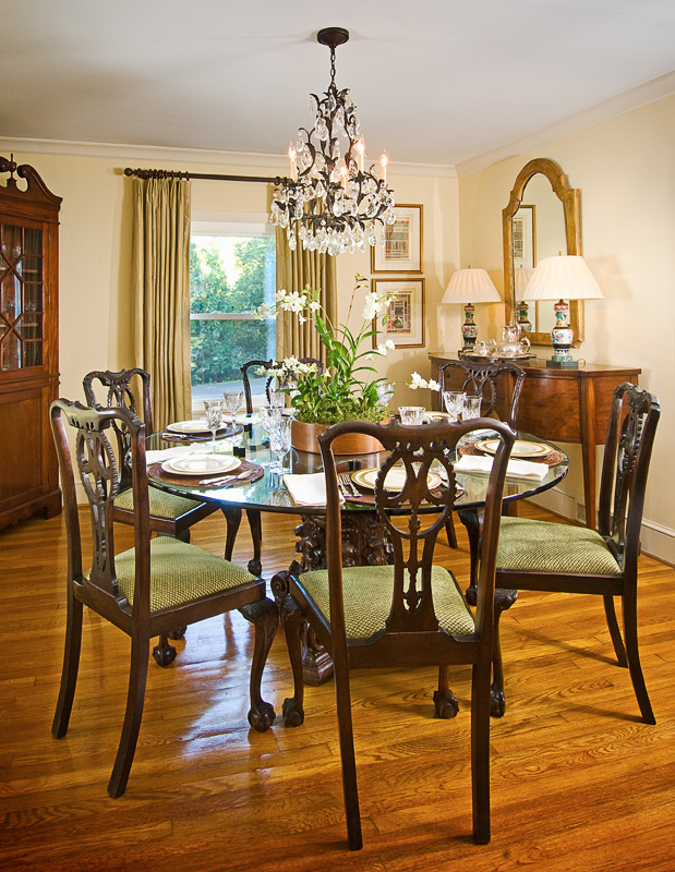 Round Table Dining