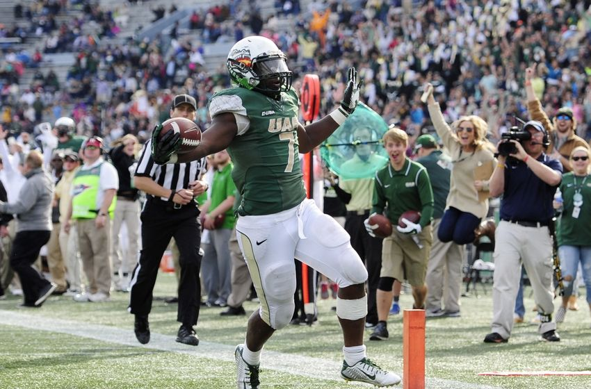Jordan Howard rushesfor a touchdown against MArshall Last Fall. Howard trasnferred to Indiana afterUAB closed the doors on itsfootball program after the 2014 season. - Mandatory Credit: Shanna Lockwood-USA TODAY Sports