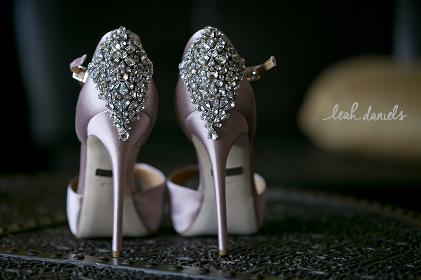 Can we just take a moment of silence for these amazingly stunning SHOES!?