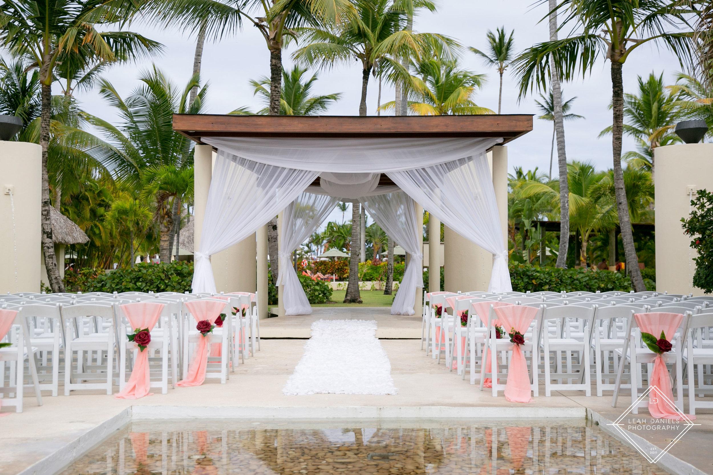 NOW Larimar Destination Wedding Photos; The Fountain
