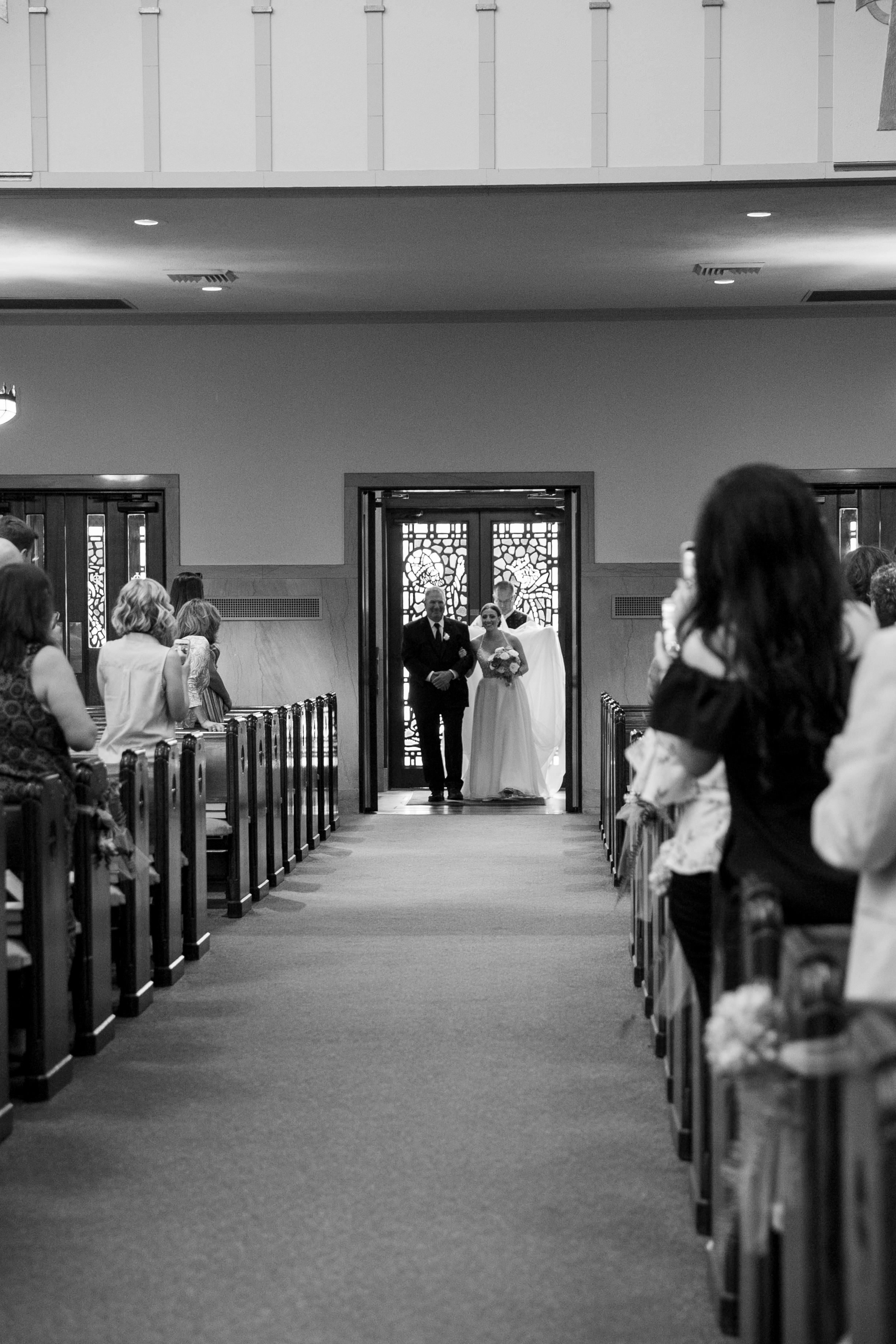 montdale-country-club-wedding-by-leahdanielsphotography14.jpg