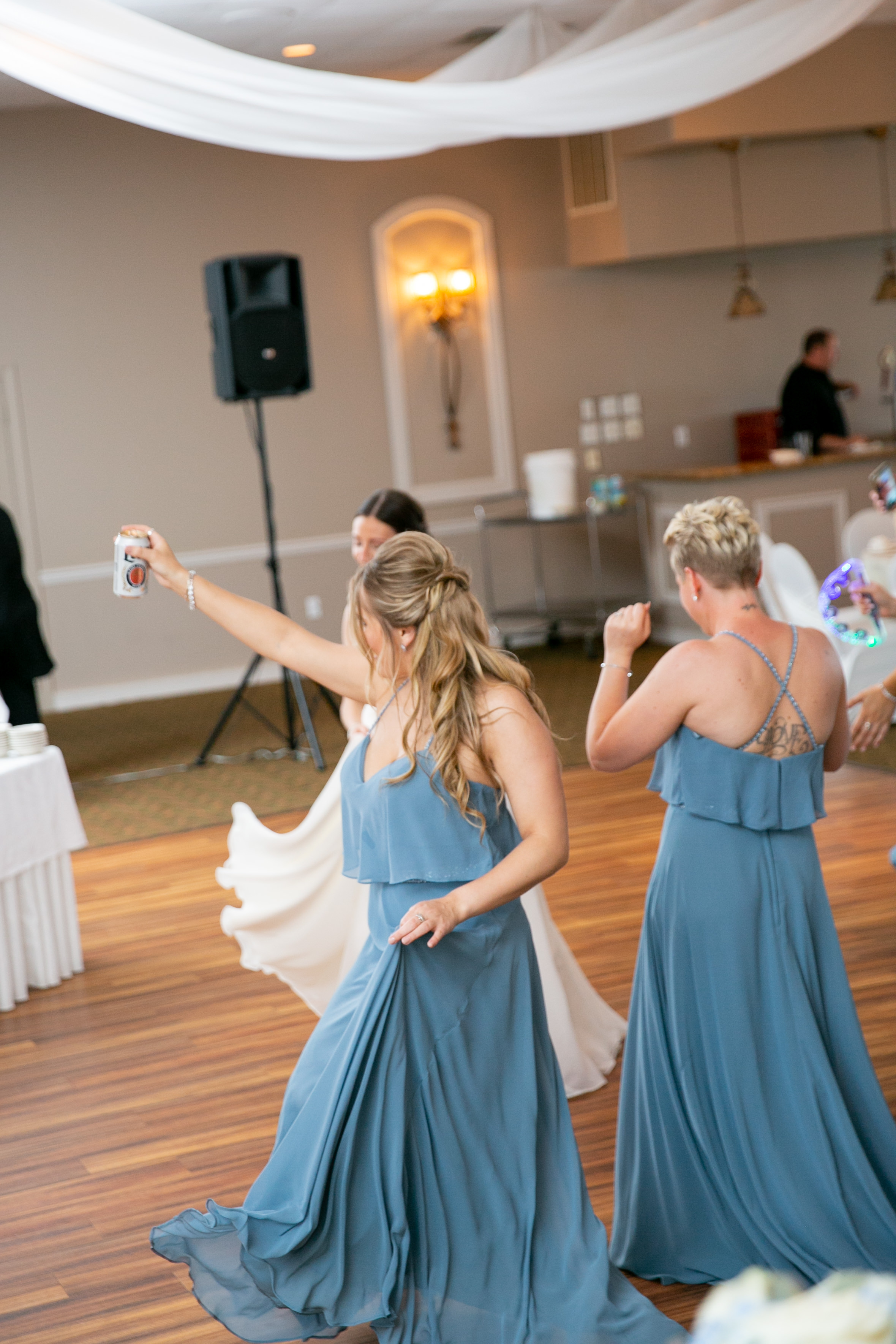 montdale-country-club-wedding-by-leahdanielsphotography52.jpg