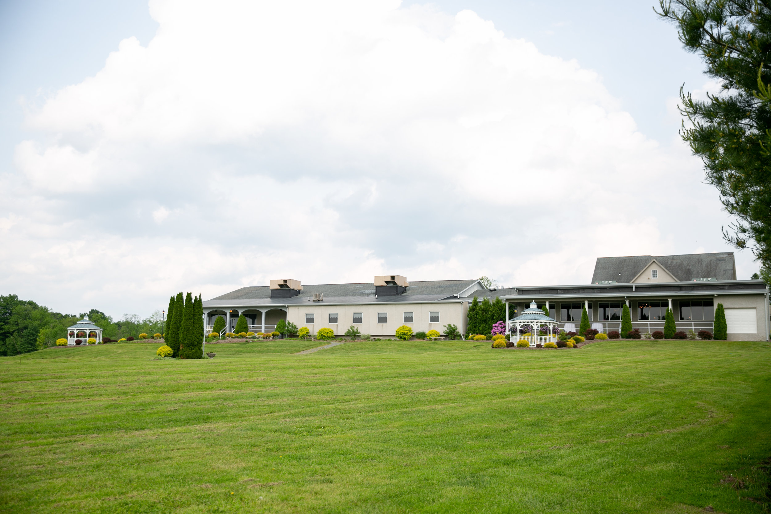 montdale-country-club-wedding-by-leahdanielsphotography58.jpg